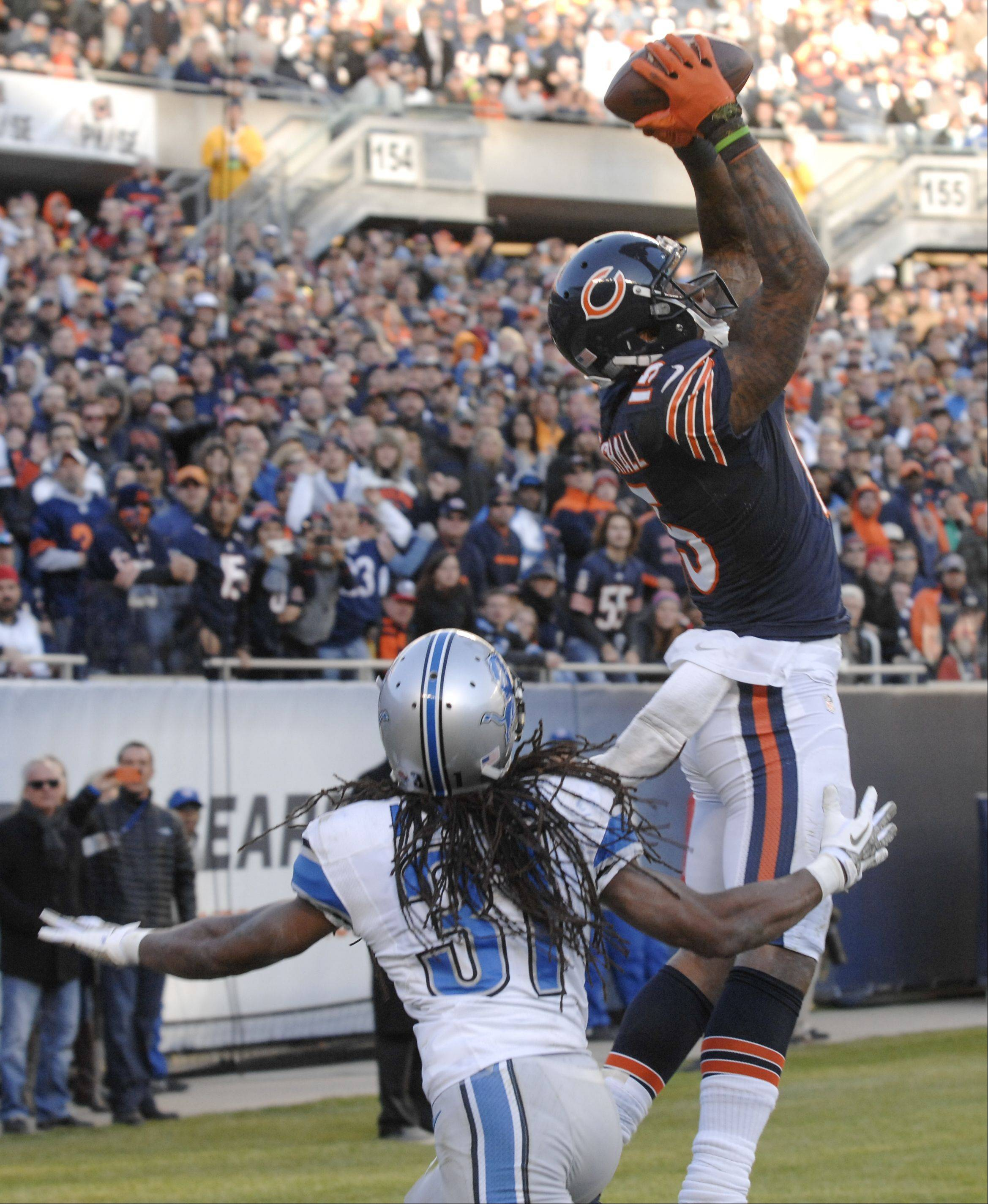 Chicago Bears wide receiver Brandon Marshall (15) scores a touch down the 4th quarter of the Bears 21-19 loss to the Detroit Lions.