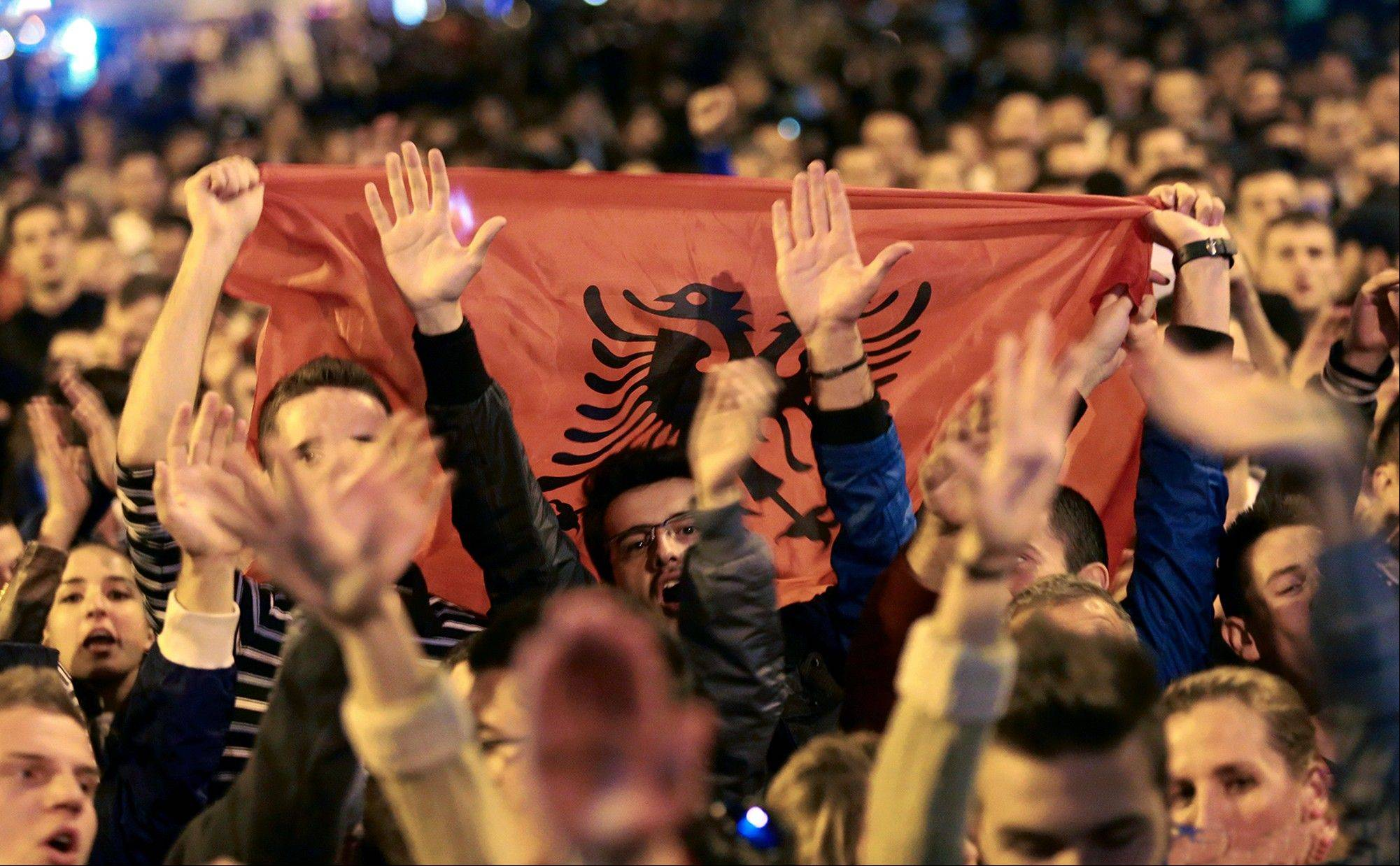 Thousands of Albanians gather to celebrate the announcement made by Prime Minsiter Edi Rama that he turned down a request by the Untied States to host an operation to destroy Syria's chemical weapons.