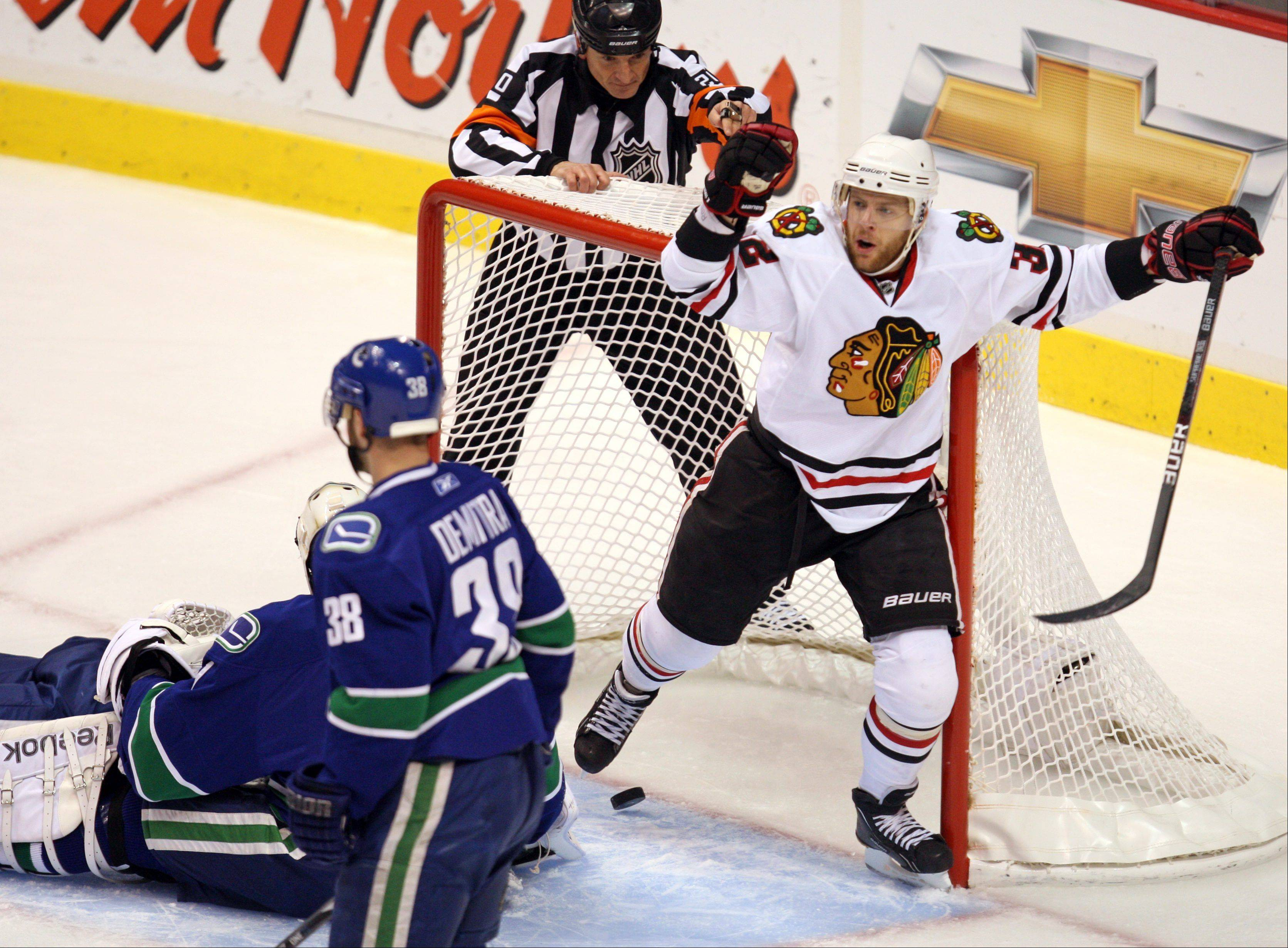 "Kris Versteeg was a minus-9 in 18 games with Florida this season. Panthers GM Dale Tallon said Versteeg's play has been ""inconsistent"" but the Hawks looked past that when they traded for him Thursday."