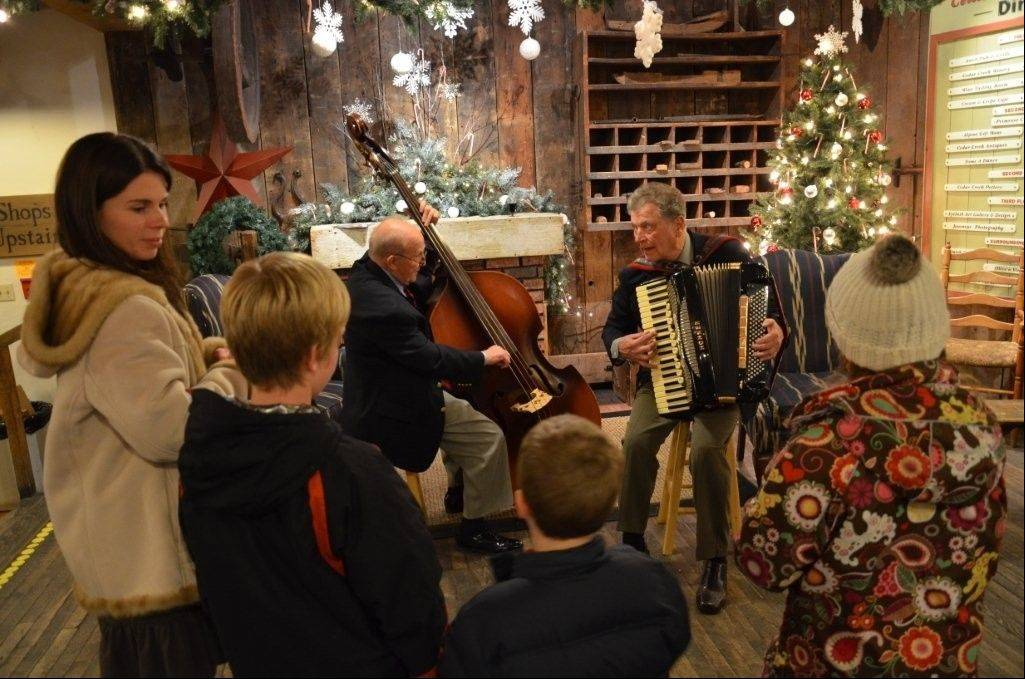 Historic Cedar Creek Settlement in Cedarburg, Wisconsin beckons with Festive Friday Eves, a series of five, free, family-oriented evening events, Nov. 22-Dec. 20.