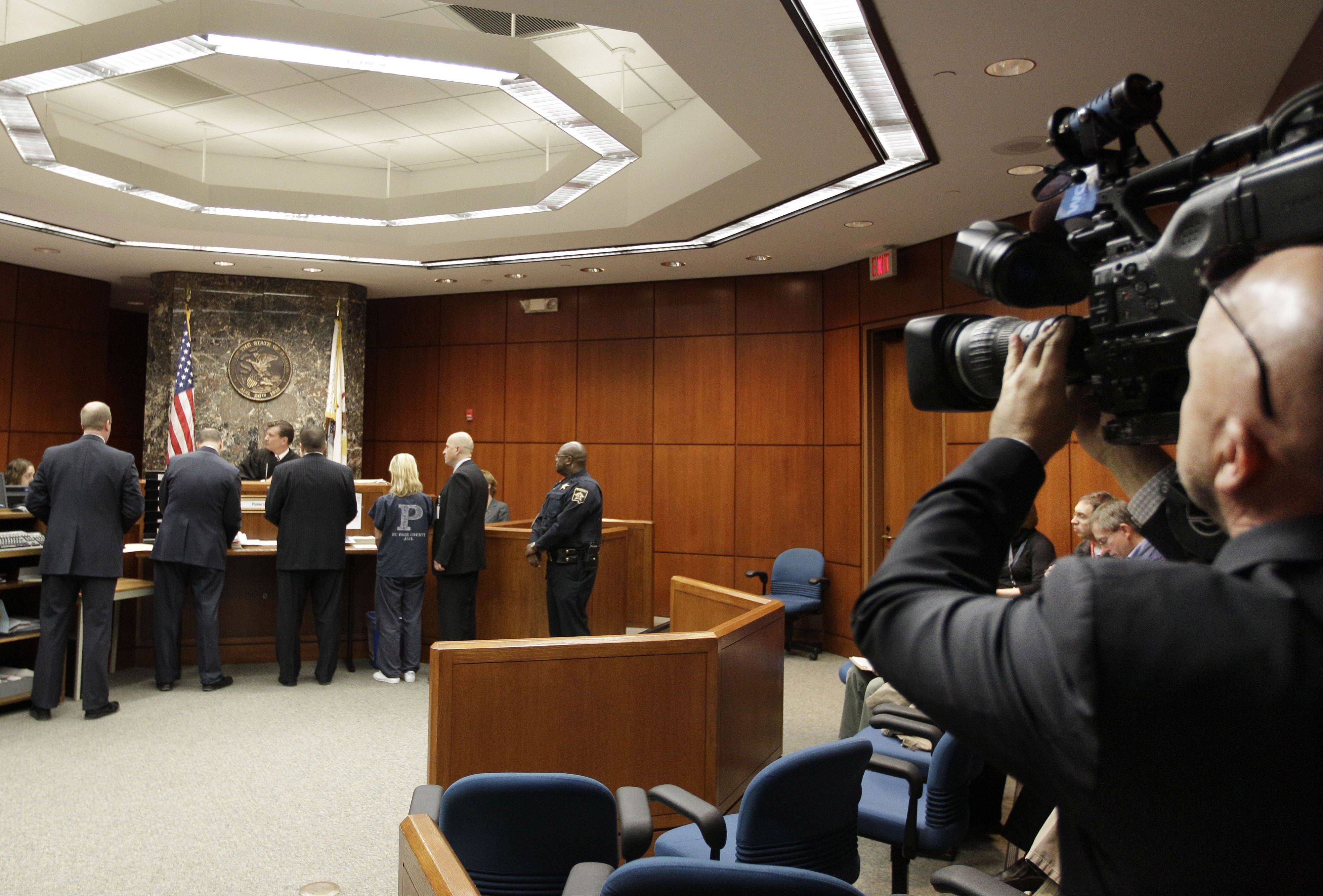 Two DuPage judges oppose court cameras, say focus is only on the 'sensational'