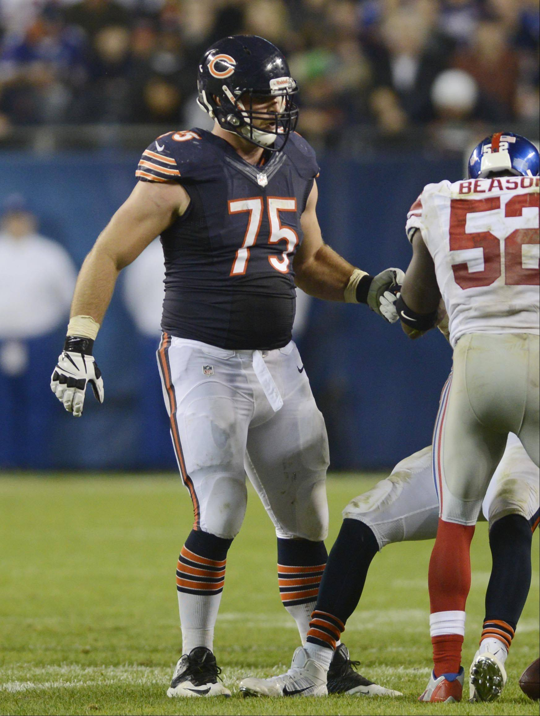 Bears guard Kyle Long will be on the opposite side of the line from his brother Chris on Sunday in St. Louis.