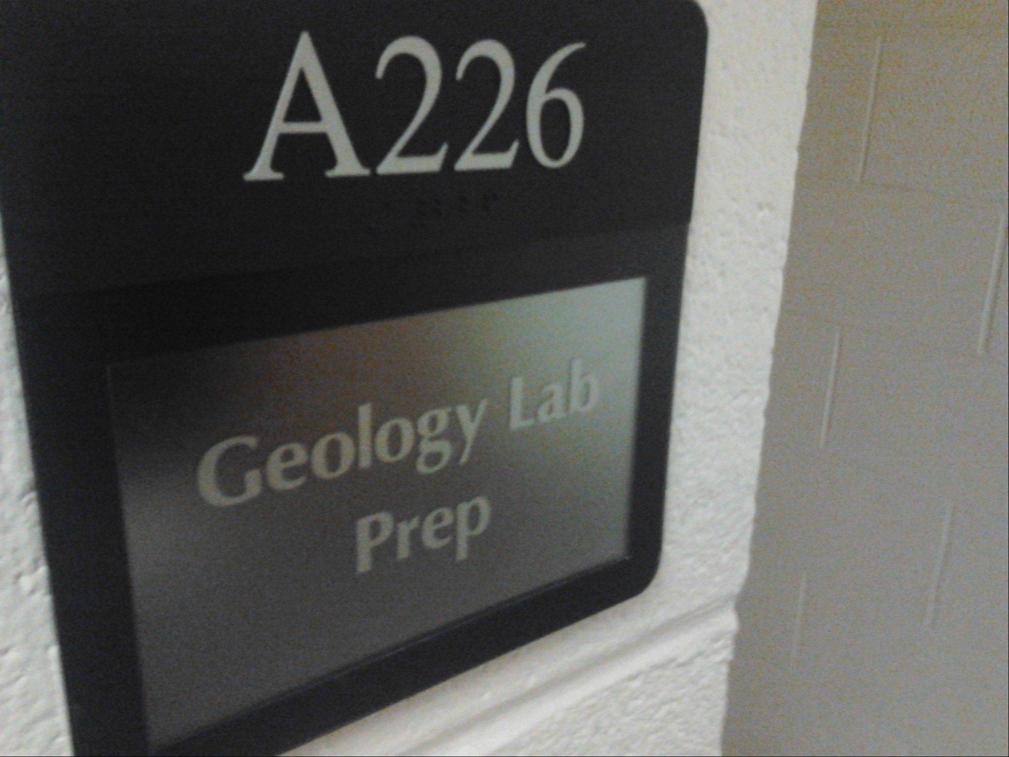 An unspecified level of radioactive material was found on this geology laboratory's rock collection at College of Lake County.