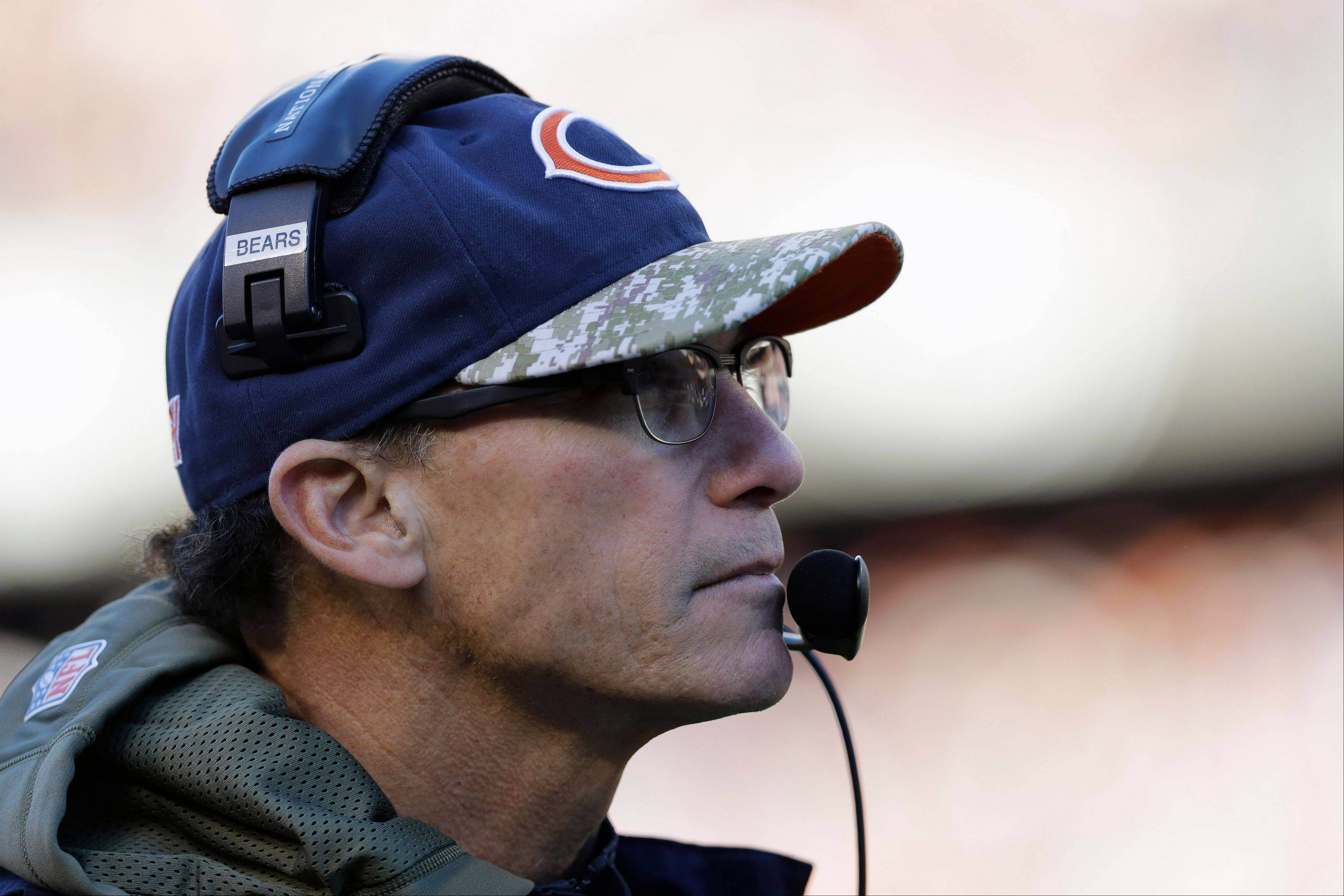 "Coach Marc Trestman said the Bears wanted to ""do something as an organization"" to show support for tornado victims in Washington, Ill."