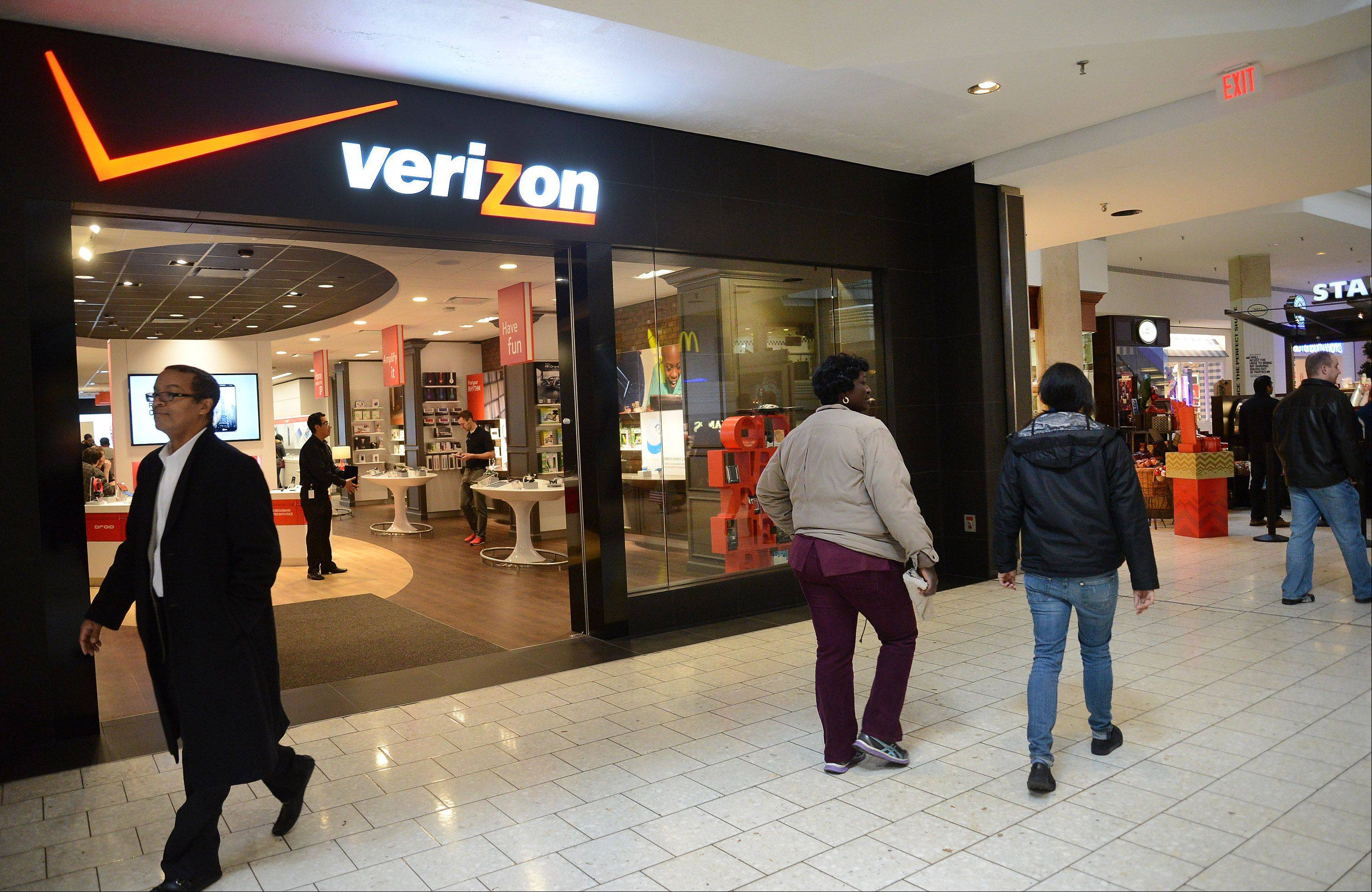 Verizon wireless' new Smart Store has opened in Woodfield Mall.