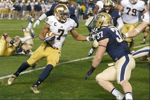 Notre Dame wide receiver TJ Jones runs in for a touchdown in the Nov. 9 loss to Pitt.