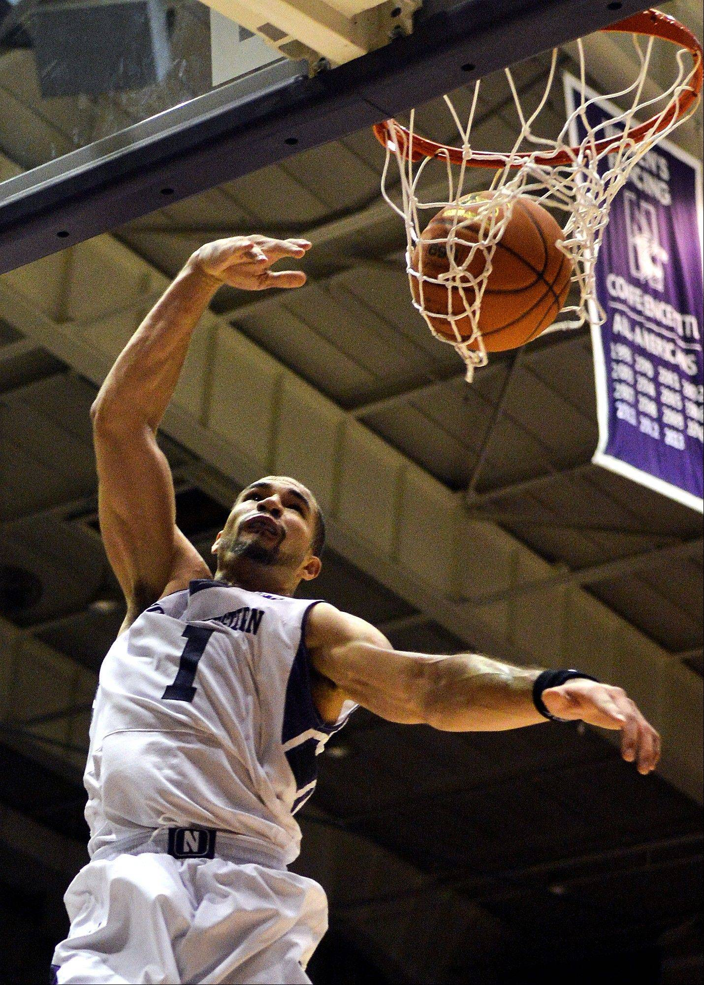 After rehabbing his shoulder last season, Northwestern's Drew Crawford shows he still has some power in his game. The 6-5 redshirt senior has drawn high praise from head coach Chris Collins for his veteran leadership.
