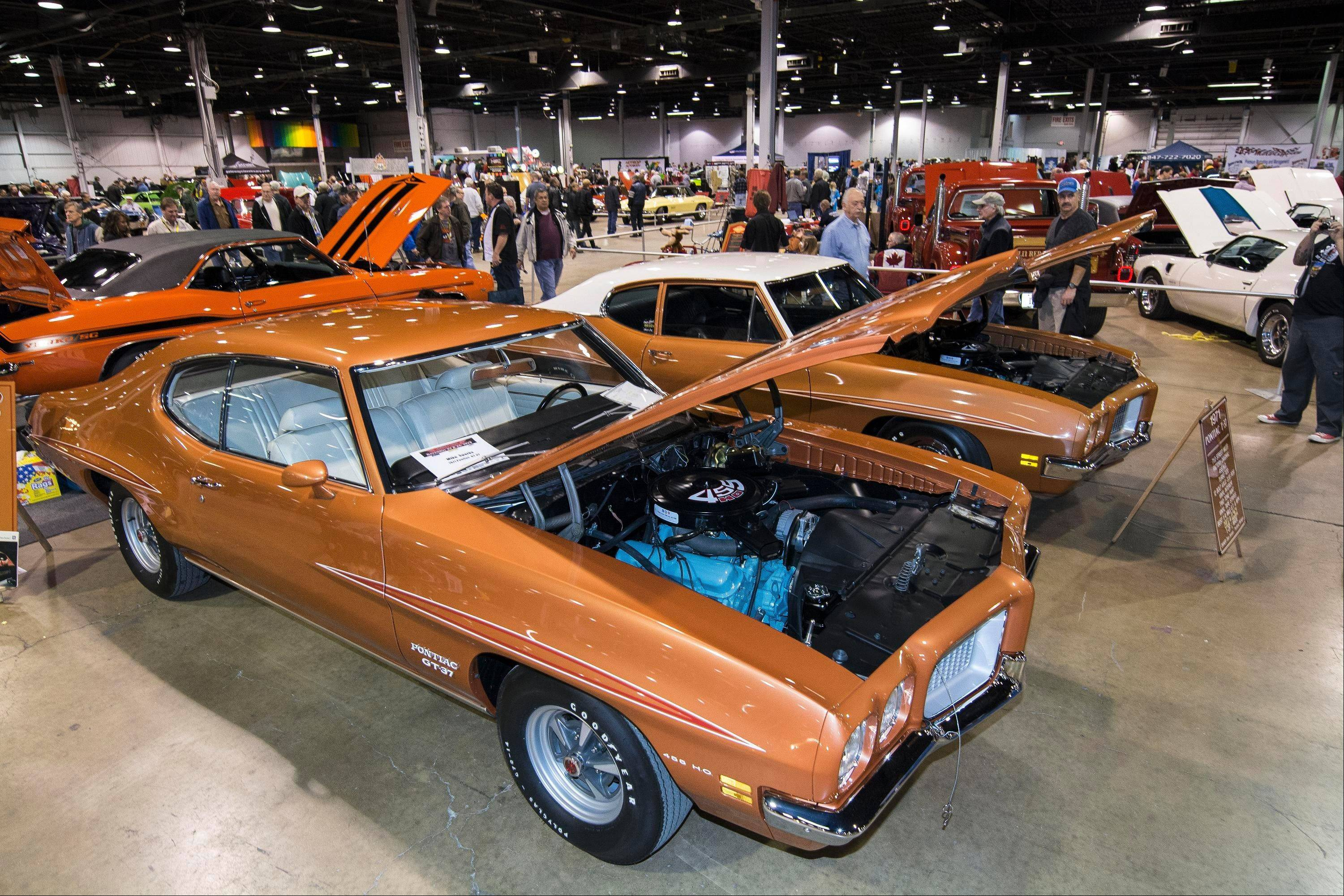 More than 500 owners of top quality cars from around the country descended on Rosemont last weekend for the 2013 Muscle Car and Corvette Nationals.