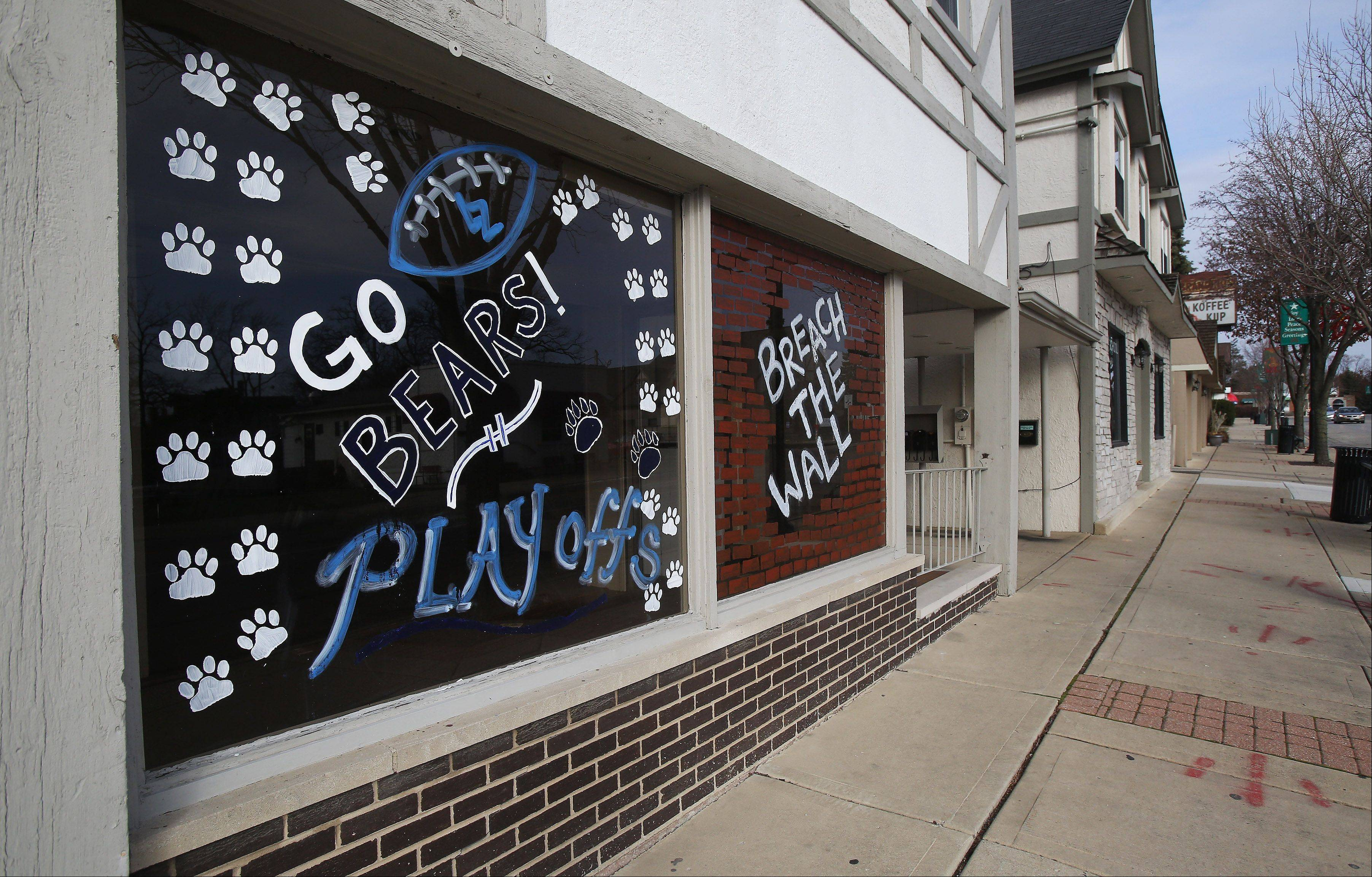Residents and businesses show support for Lake Zurich High School�s football team, which plays for the Class 7A state championship today in DeKalb.