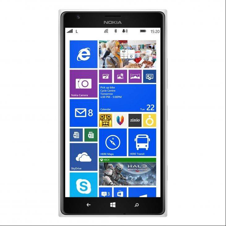 The 1520 is a Windows 8 phone and among the first of its size, made possible by a mid-October software update from Microsoft.