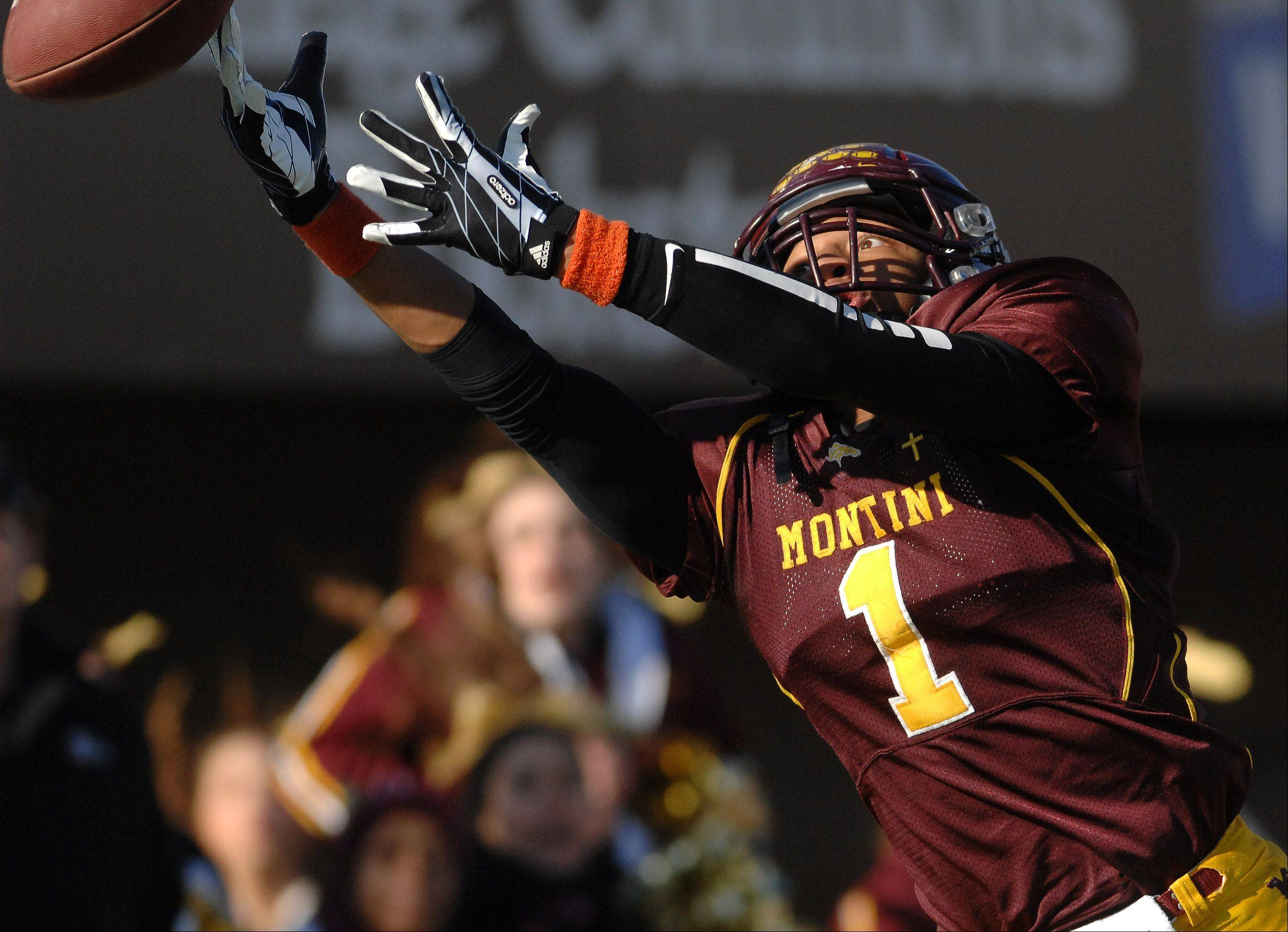 Montini's Leon Thornton III (1) just misses a catch in the end zone during Saturday's Class 5A championship football game in DeKalb.