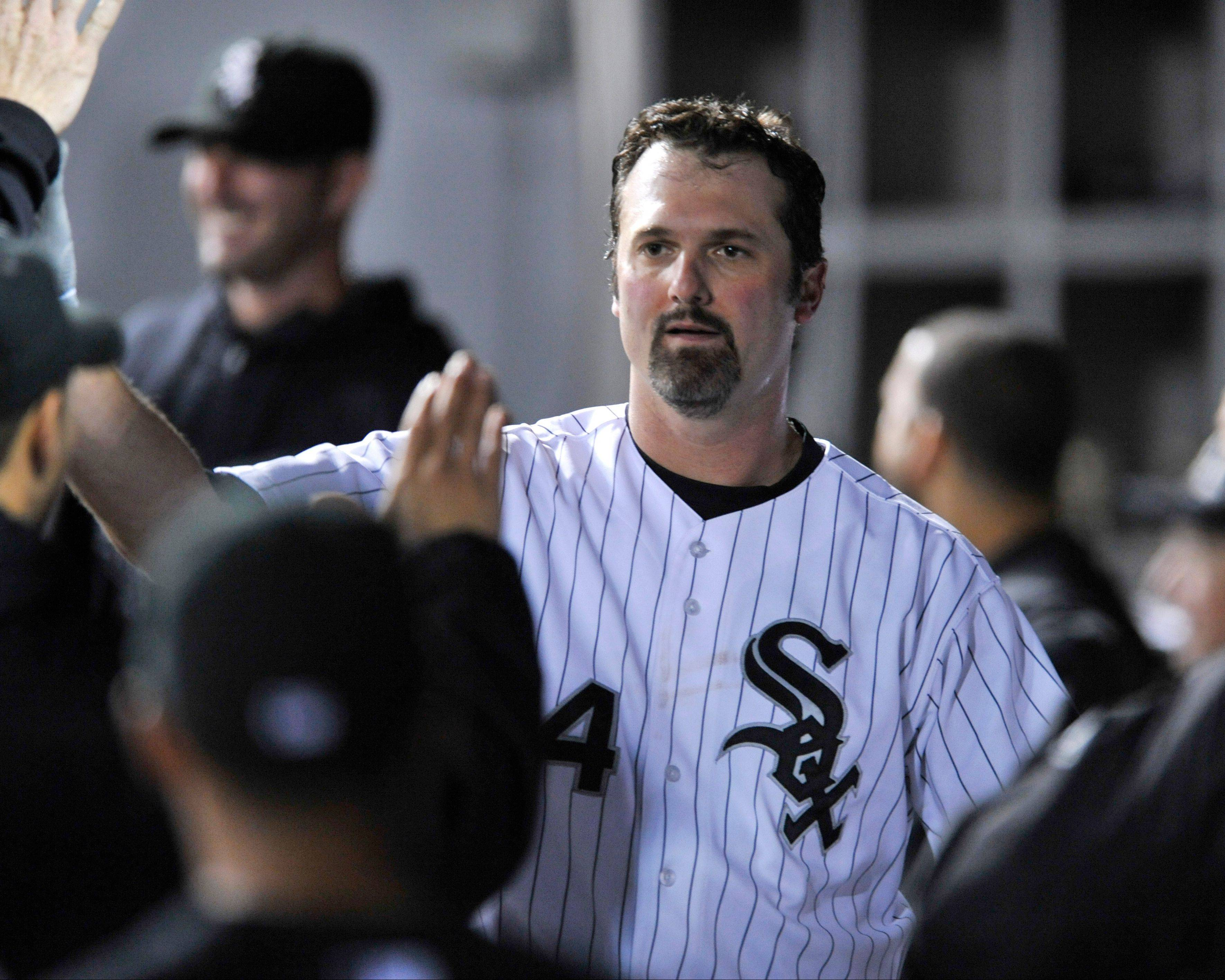 Paul Konerko has agreed to a one-year deal with the White Sox for the 2014 season, team officials announced Wednesday.