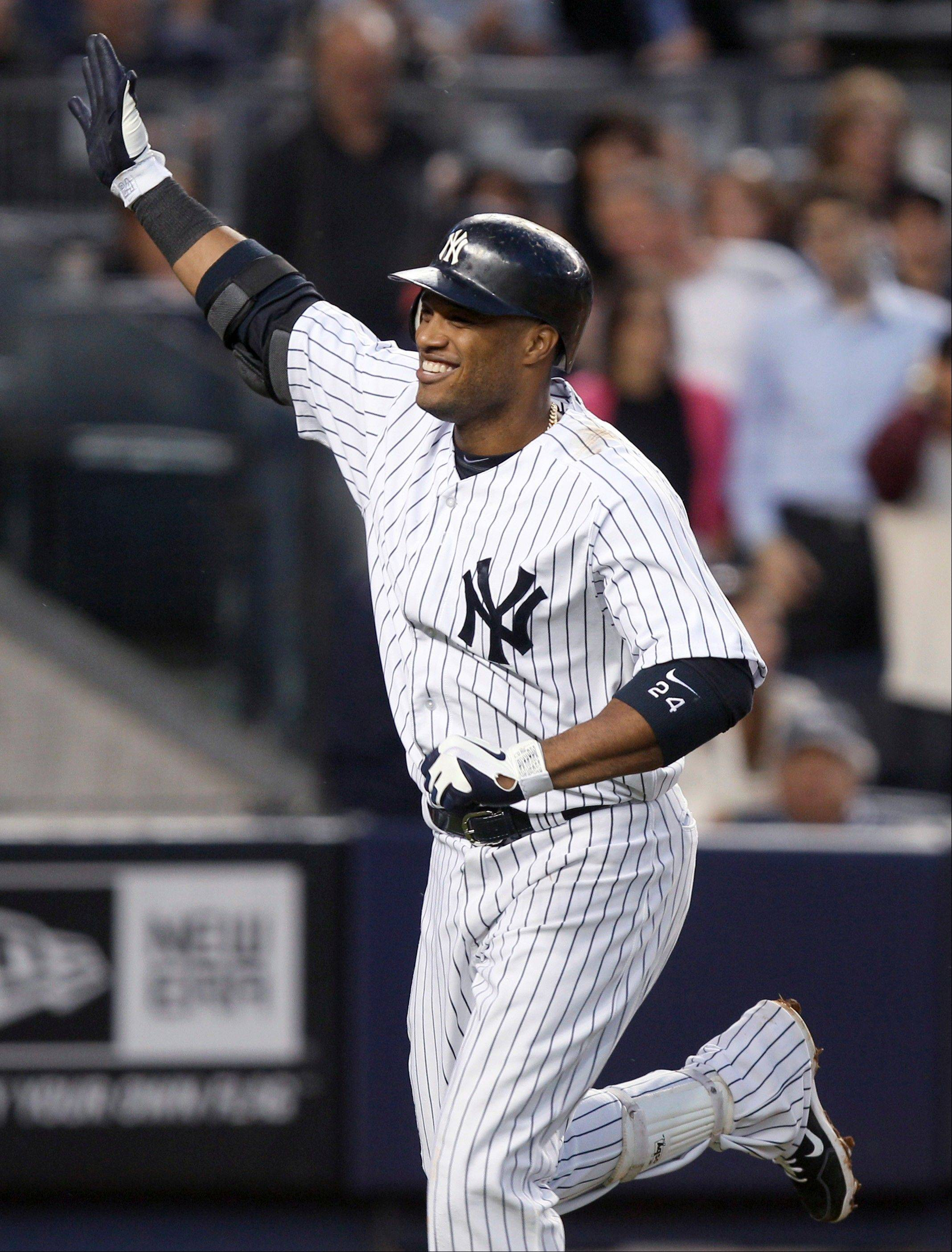 Robinson Cano reportedly has agreed to a $240 million, 10-year contract to play for Seattle.