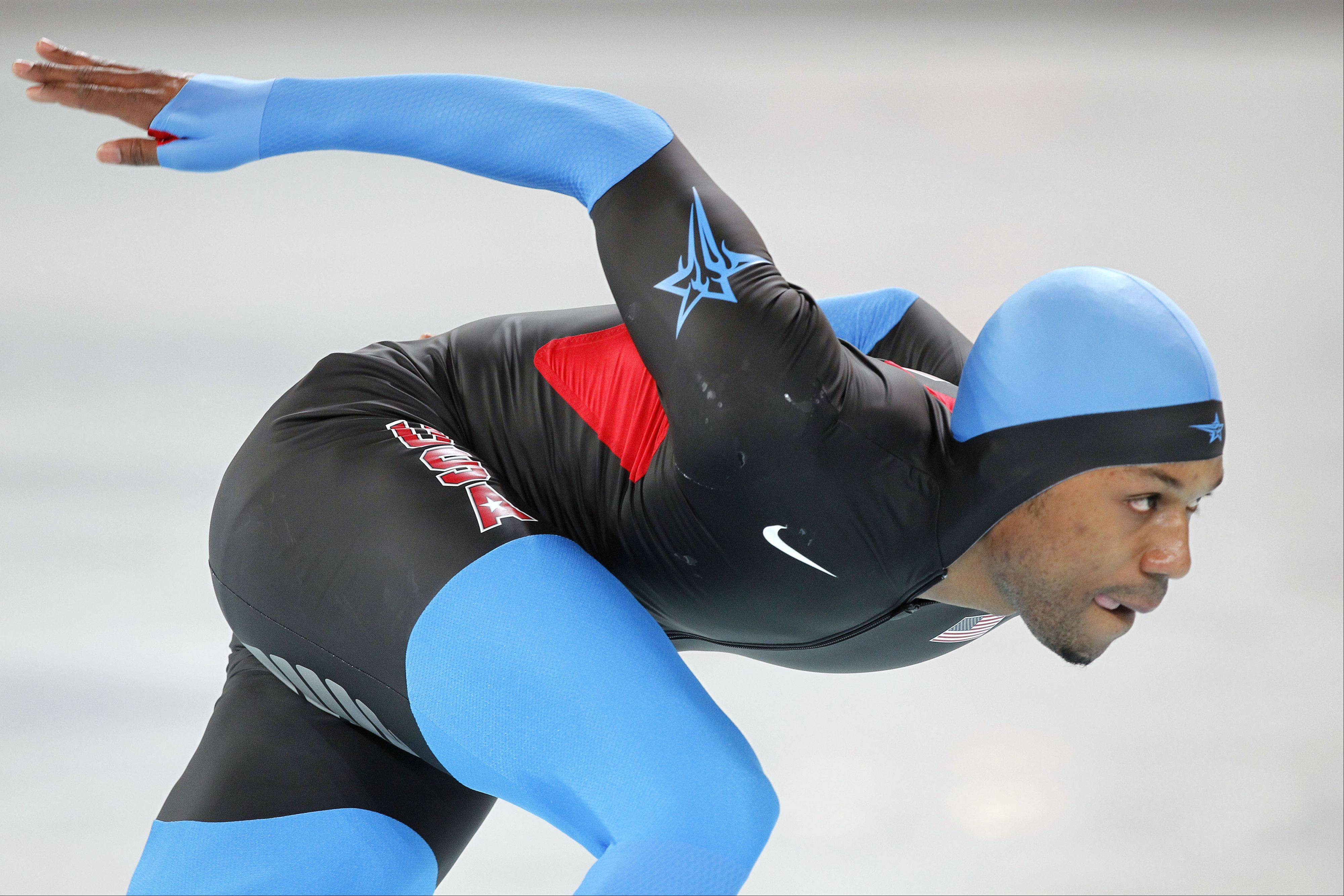 Shani Davis of Chicago finished third in the 1,000-meter race at the final World Cup speedskating event before the Sochi Olympics.