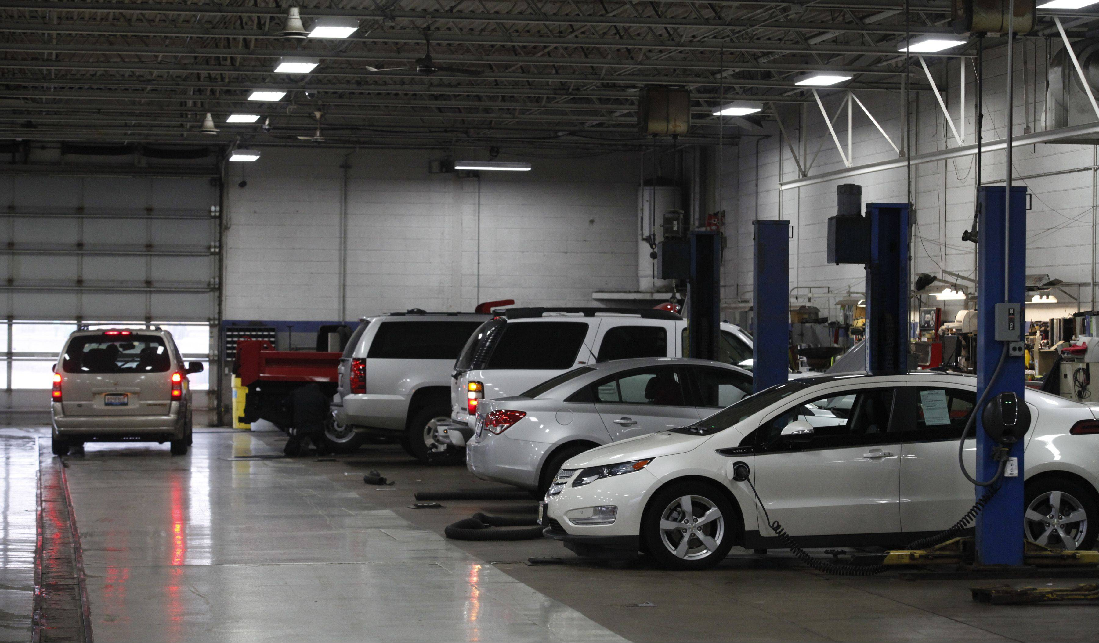 A view of the service department work bays at Biggers Chevrolet.