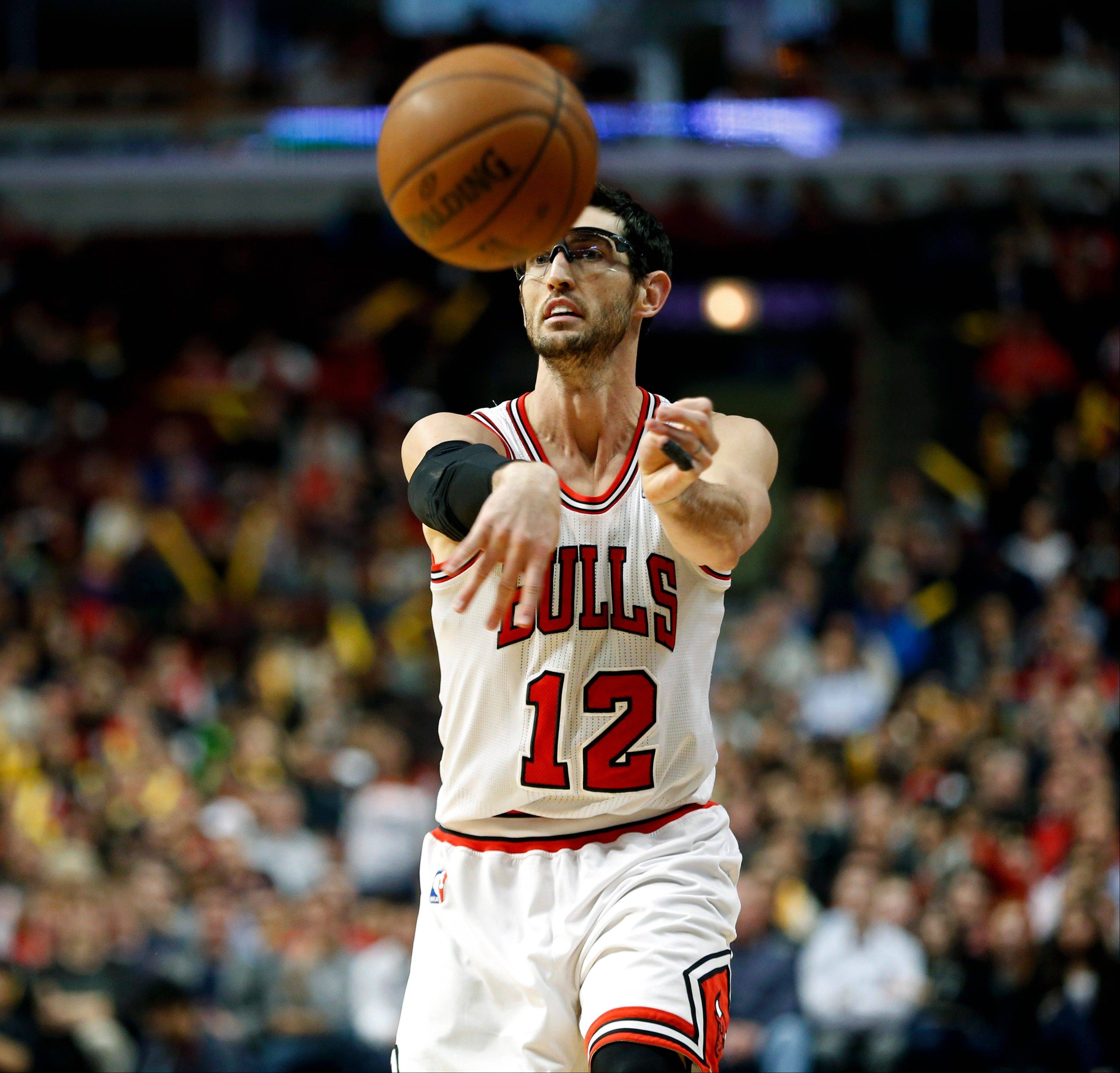 Bulls guard Kirk Hinrich has stayed healthy this season, which has been vital with limited options to replace him.