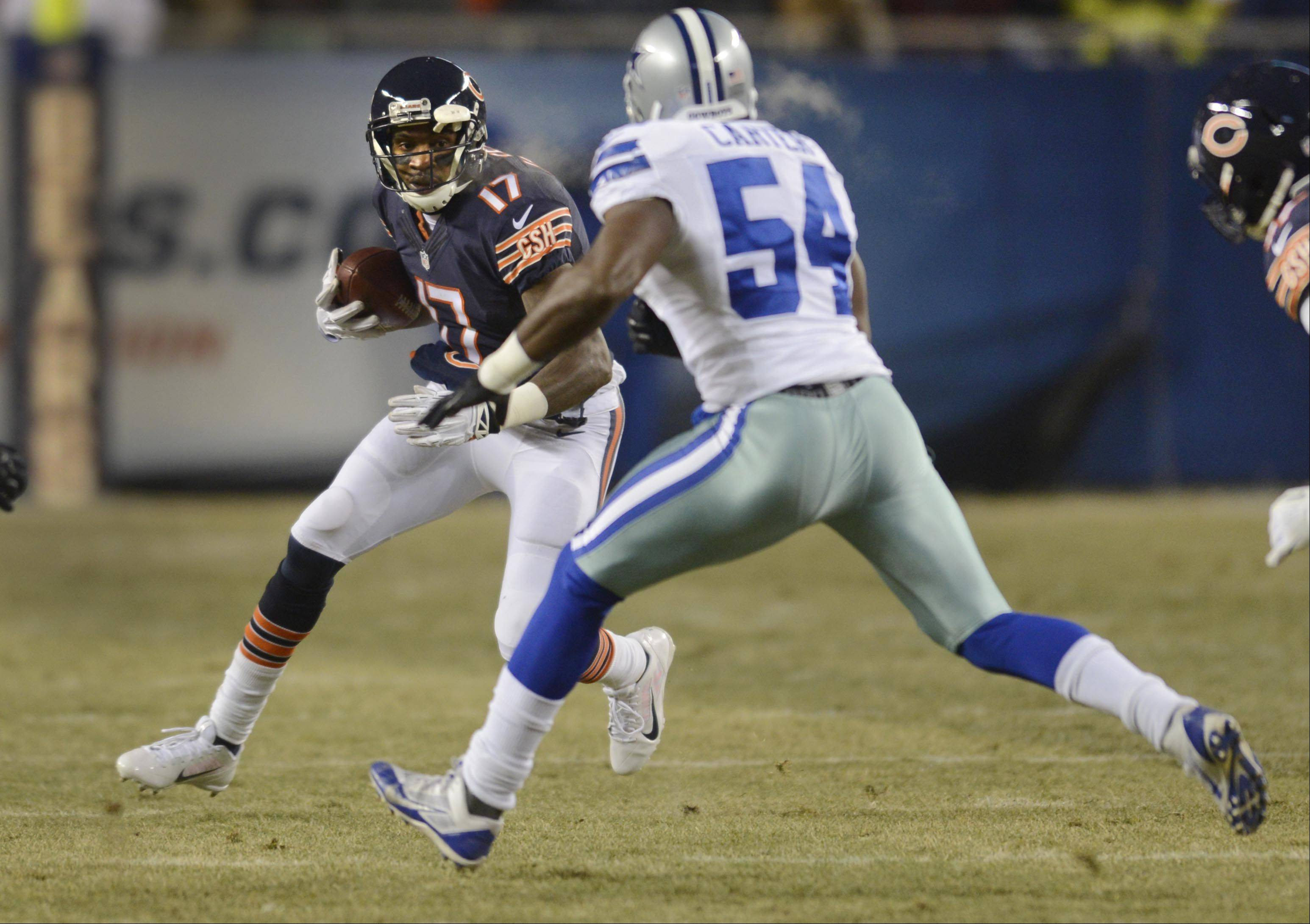 Chicago Bears wide receiver Alshon Jeffery runs after a catch against Dallas Cowboys outside linebacker Bruce Carter.