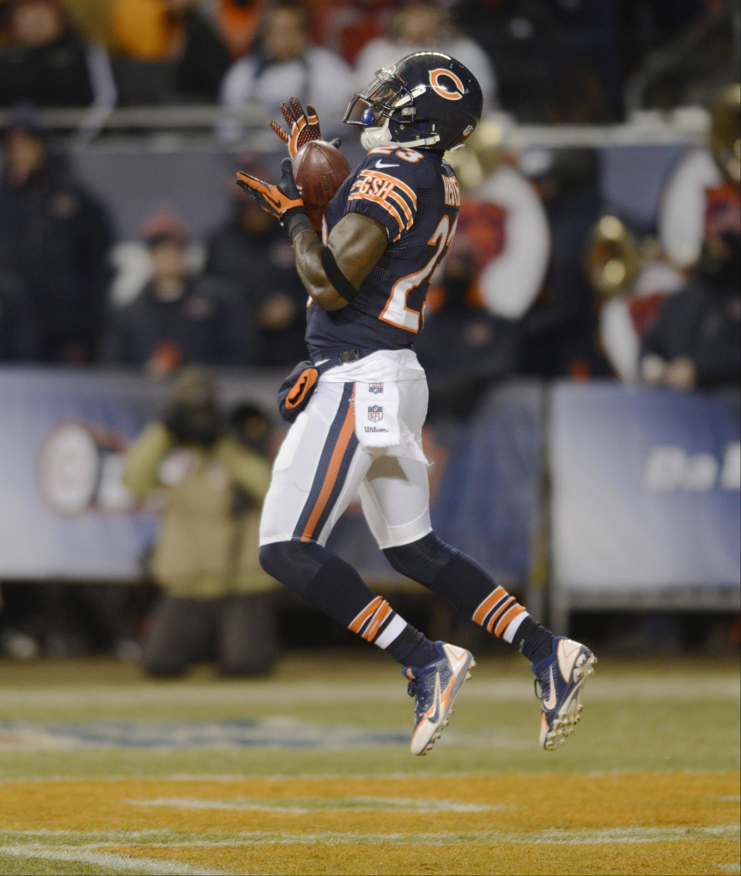 Chicago Bears kick returner Devin Hester makes a catch on a second-half Dallas kick.