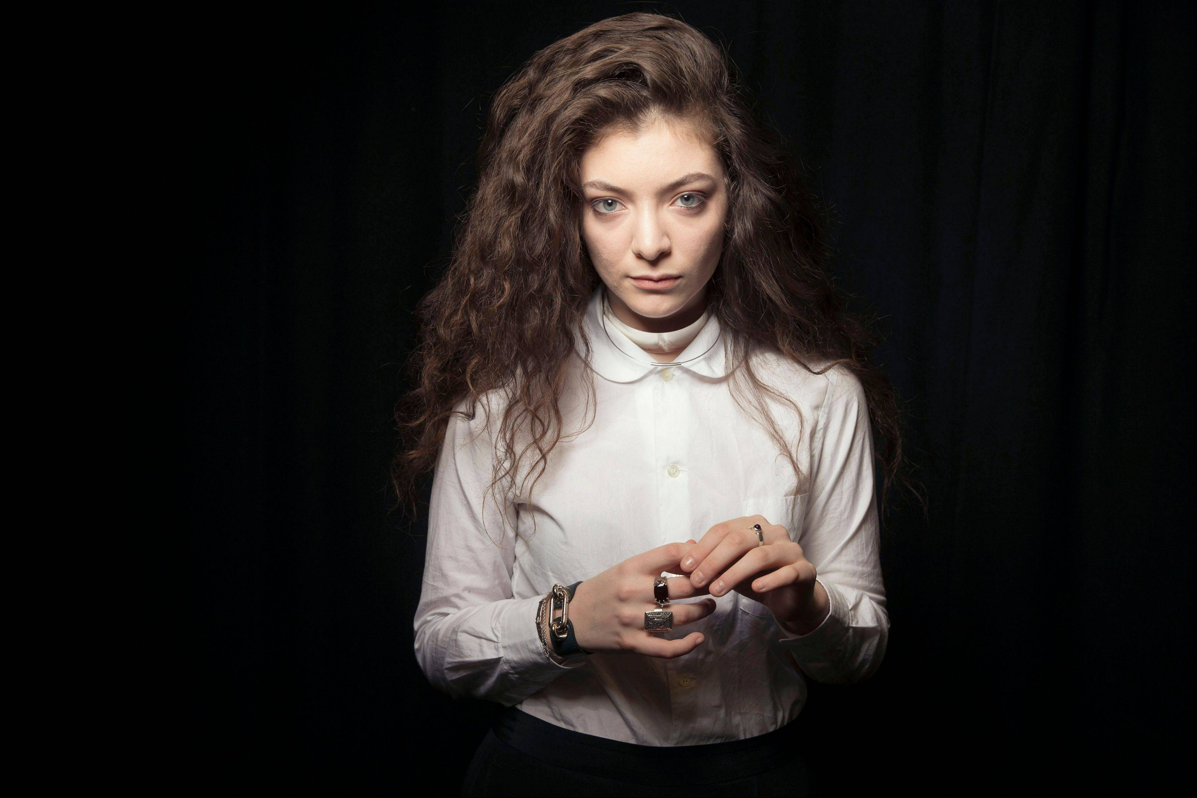 New Zealand singer Lorde is MTVU's woman of the year.