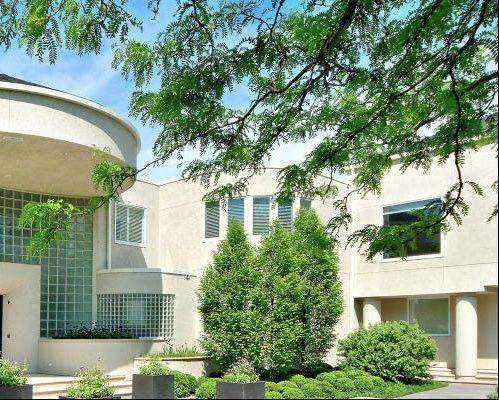 conciergeauctions.com Michael Jordan�s 56,000-square foot home in Highland Park is set for auction.