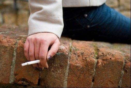 The University of Illinois is preparing to go smoke-free. The state�s flagship campus in Champaign-Urbana will ban smoking starting Jan. 1.