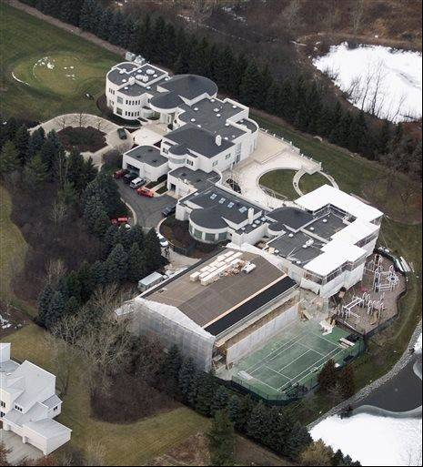 Associated PressThis Jan. 8, 2002 aerial photo shows the home of former Chicago Bulls star Michael Jordan in Highland Park.