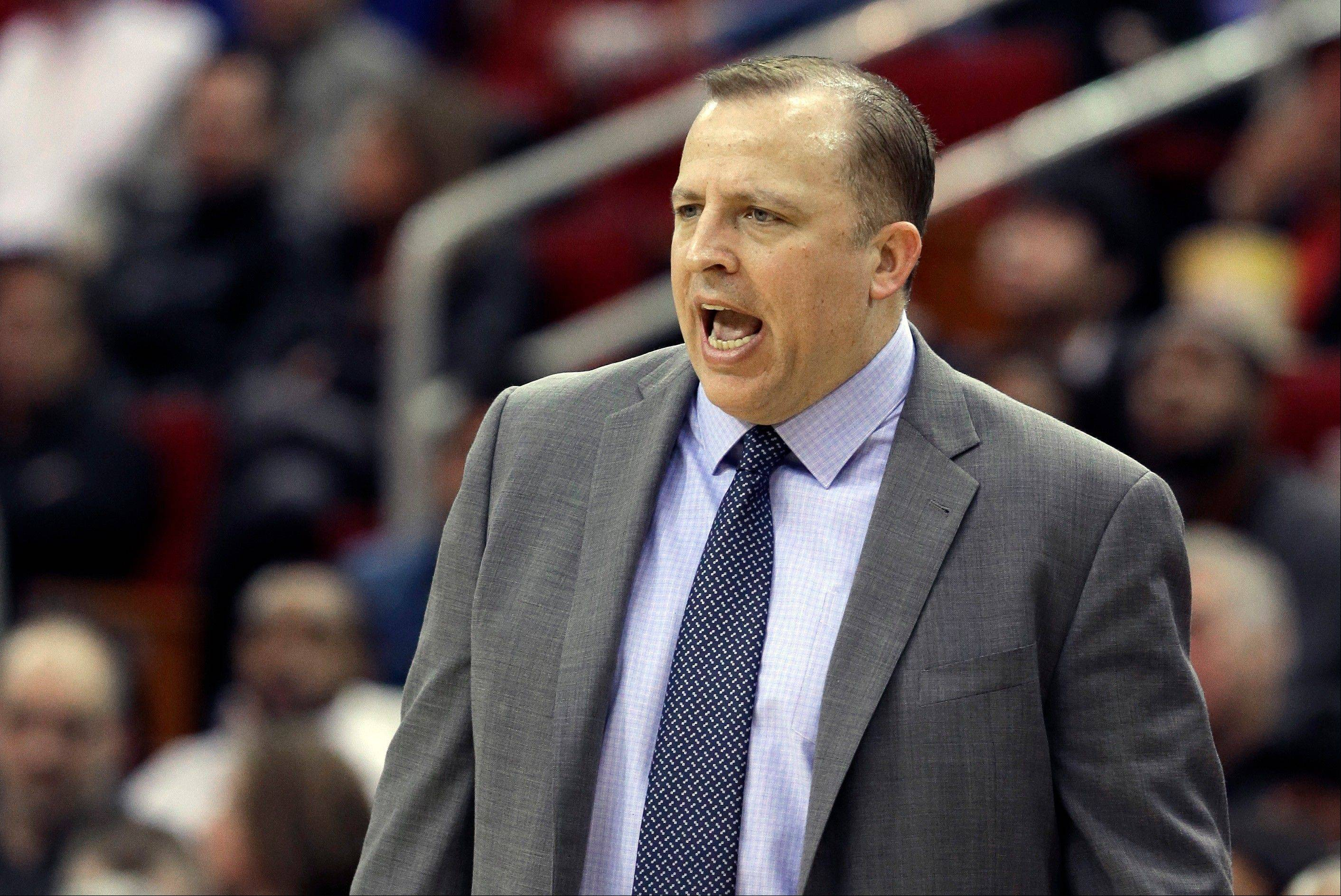 Bulls coach Tom Thibodeau yells to his players during the first half of Wednesday night's loss to the Rockets.