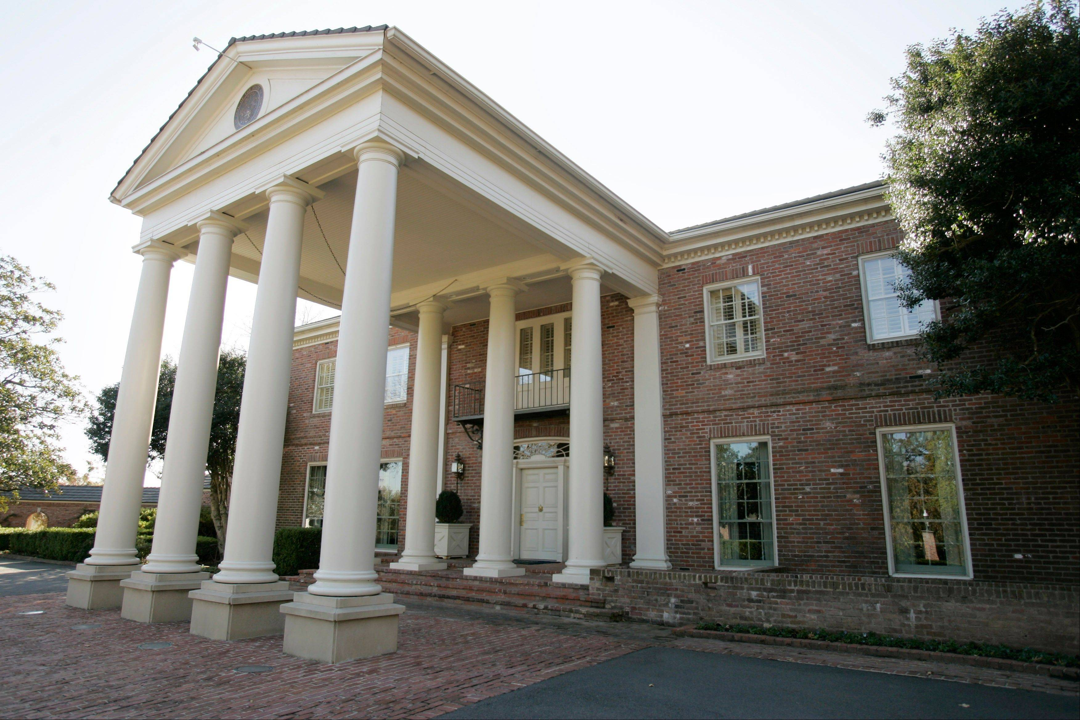 The Arkansas Governor's Mansion, where Bill and Hillary Clinton lived before he became president, offers free tours by reservation.