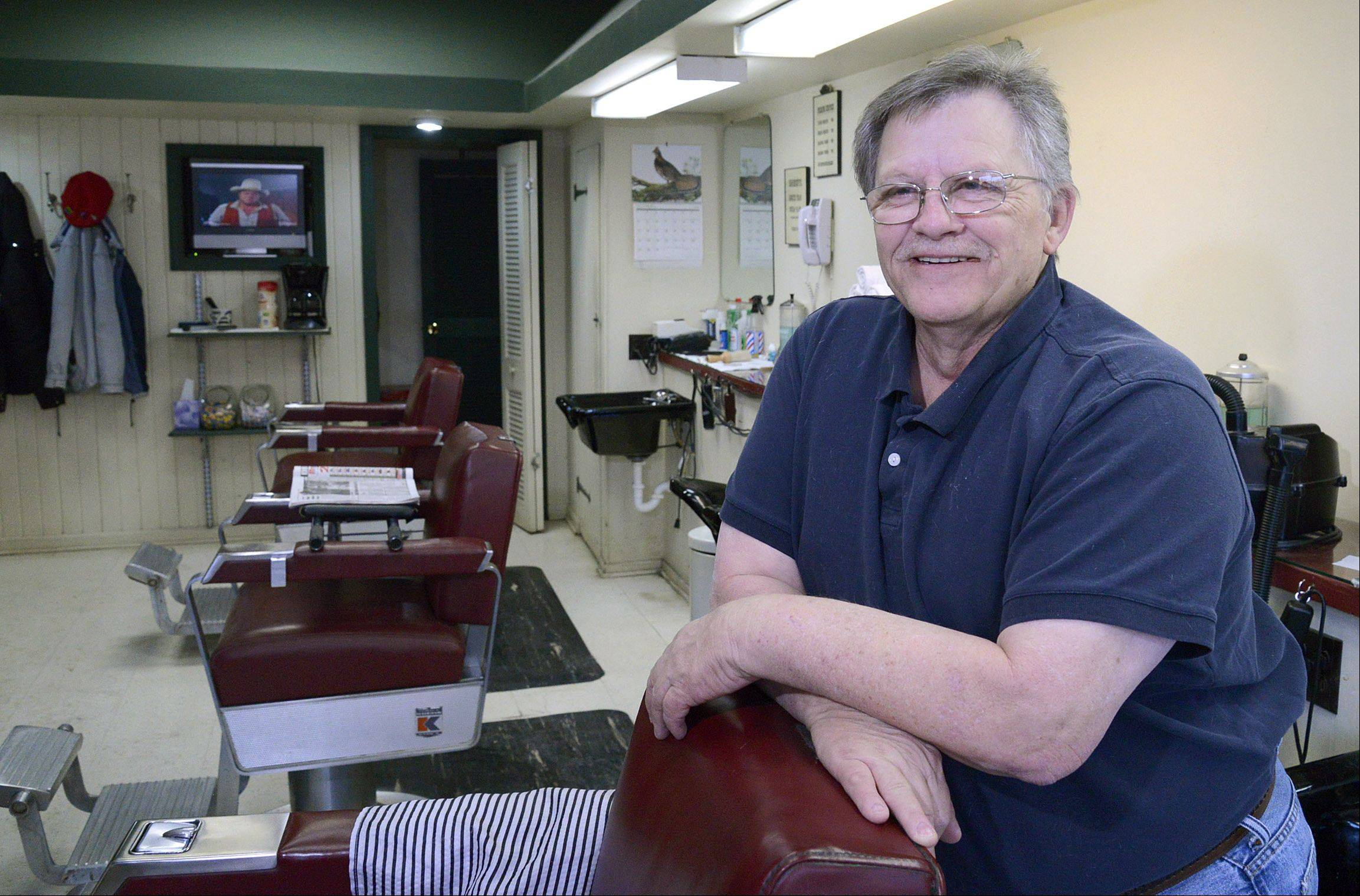 After 45 year as a downtown St. Charles barber, Ron Saltzgiver is retiring. He bought Berry's Barbershop, which first opened in 1910, after he returned from Vietnam in 1968.