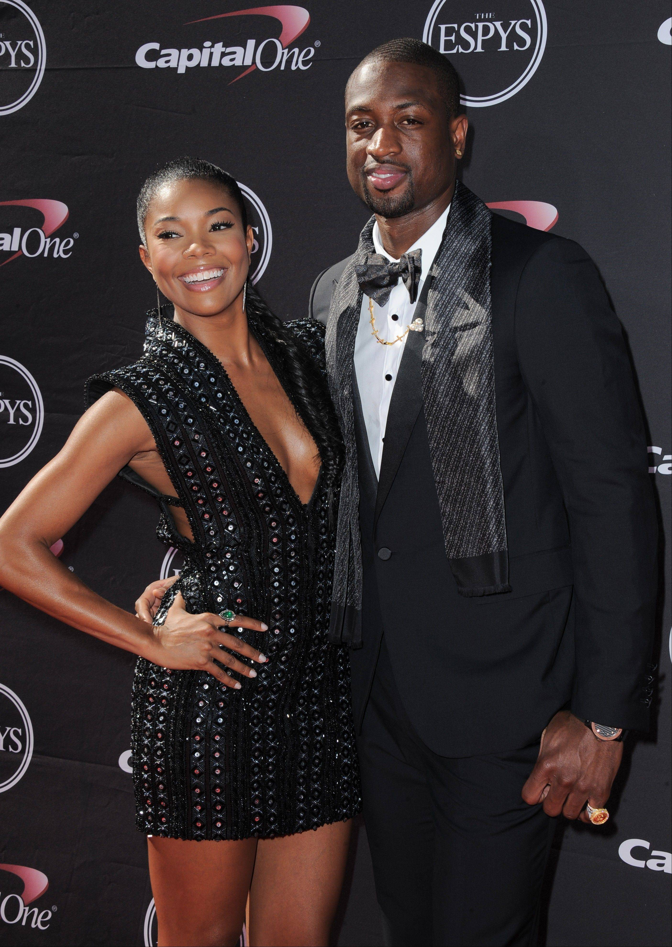 Actress Gabrielle Union and the Miami Heat's Dwyane Wade announced their engagement Saturday.