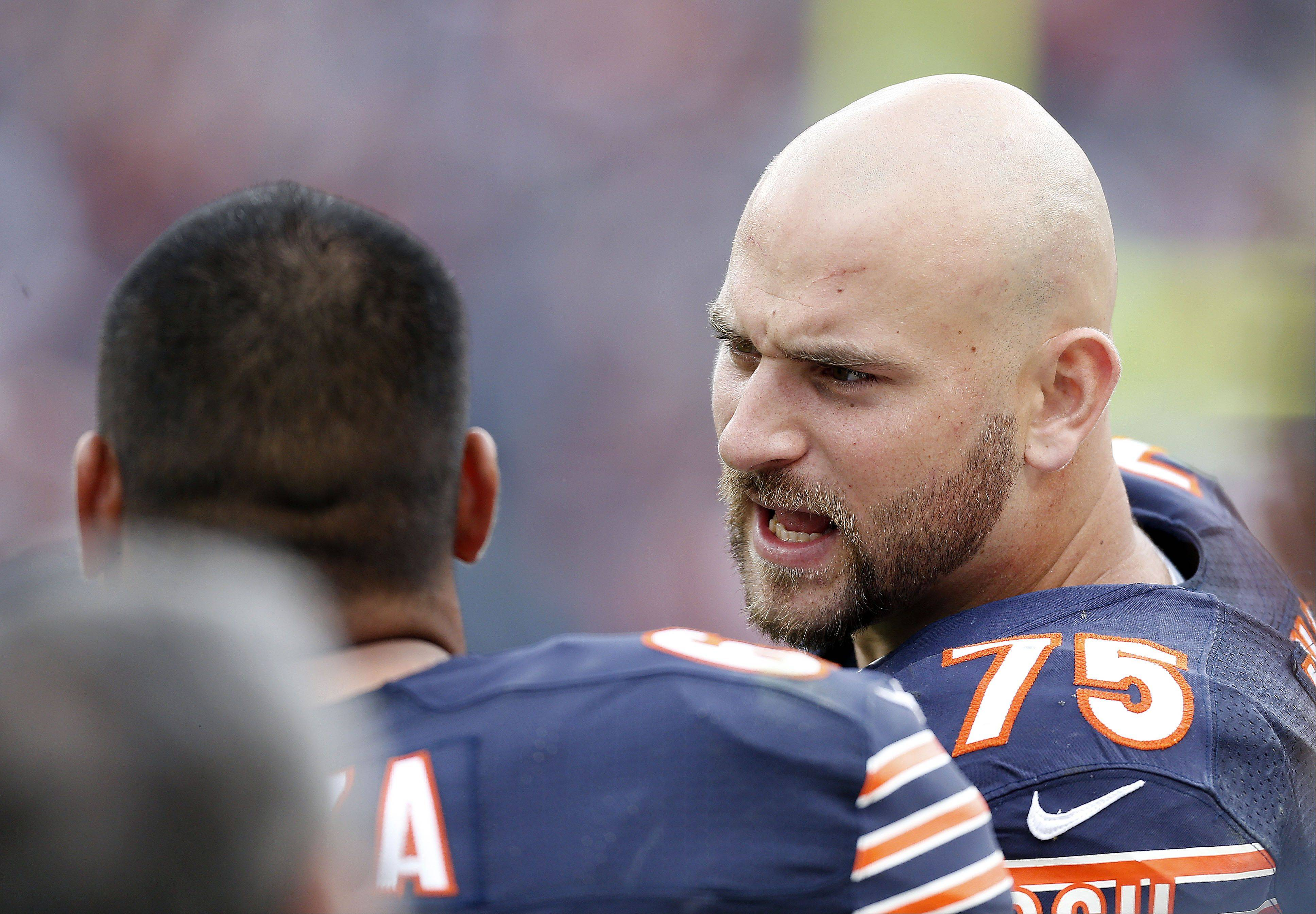 Bears rookie guard Kyle Long draws the praises of his former college coach, Chip Kelly, who will lead his Philadelphia Phillies against the Bears on Sunday night.