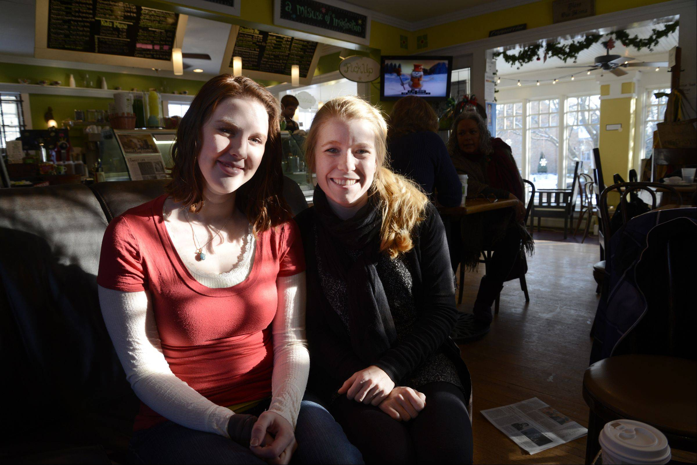 Rachel Duff, left, gave longtime friend Mandi Davis a kidney in November. It wasn't a direct donation, however, because Duff's kidney wasn't a match for Davis. Instead, they took part in a six-person transplant chain.