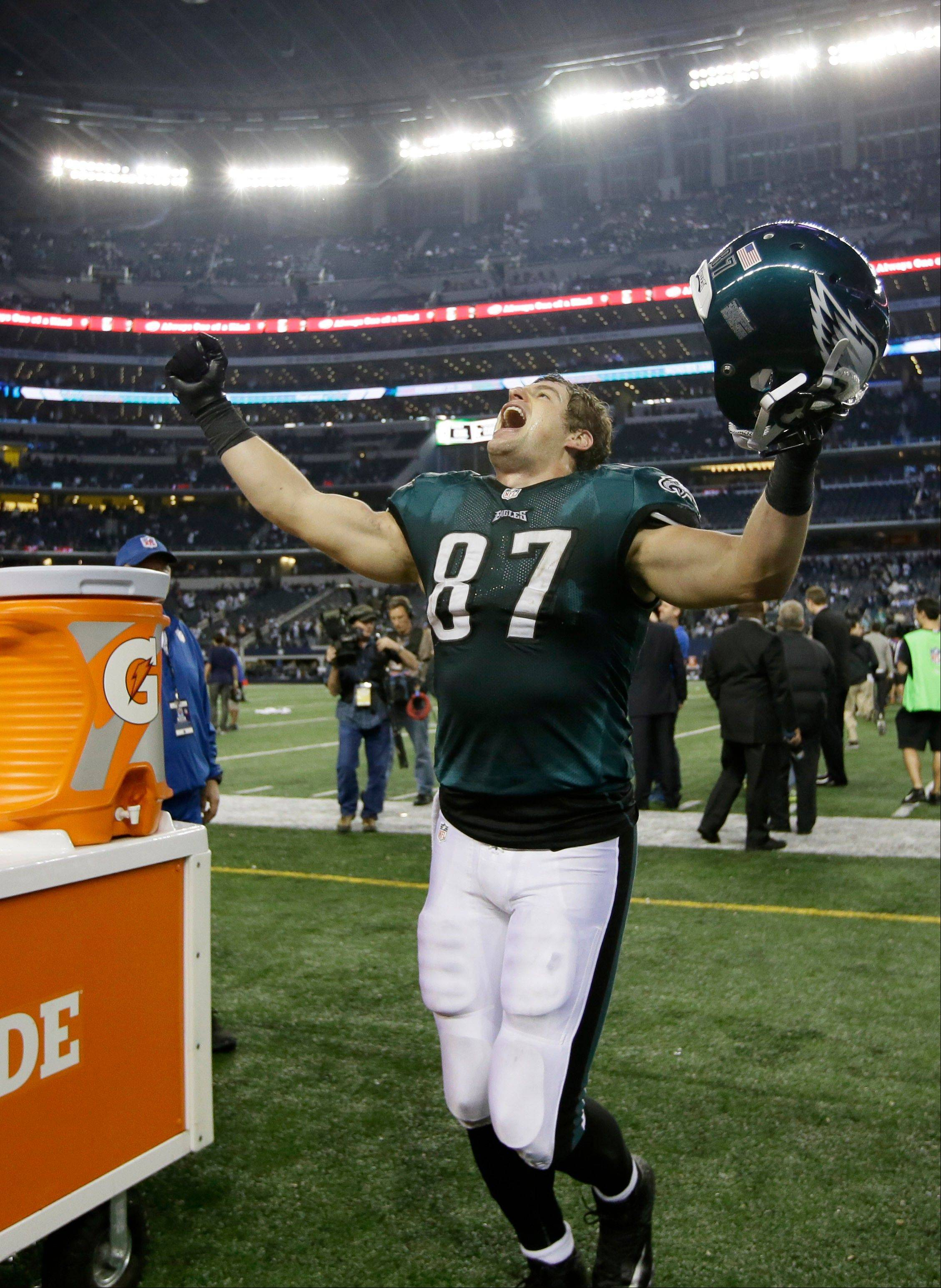 Philadelphia Eagles tight end Brent Celek leaves the field after Sunday�s win over the Dallas Cowboys in Arlington, Texas.