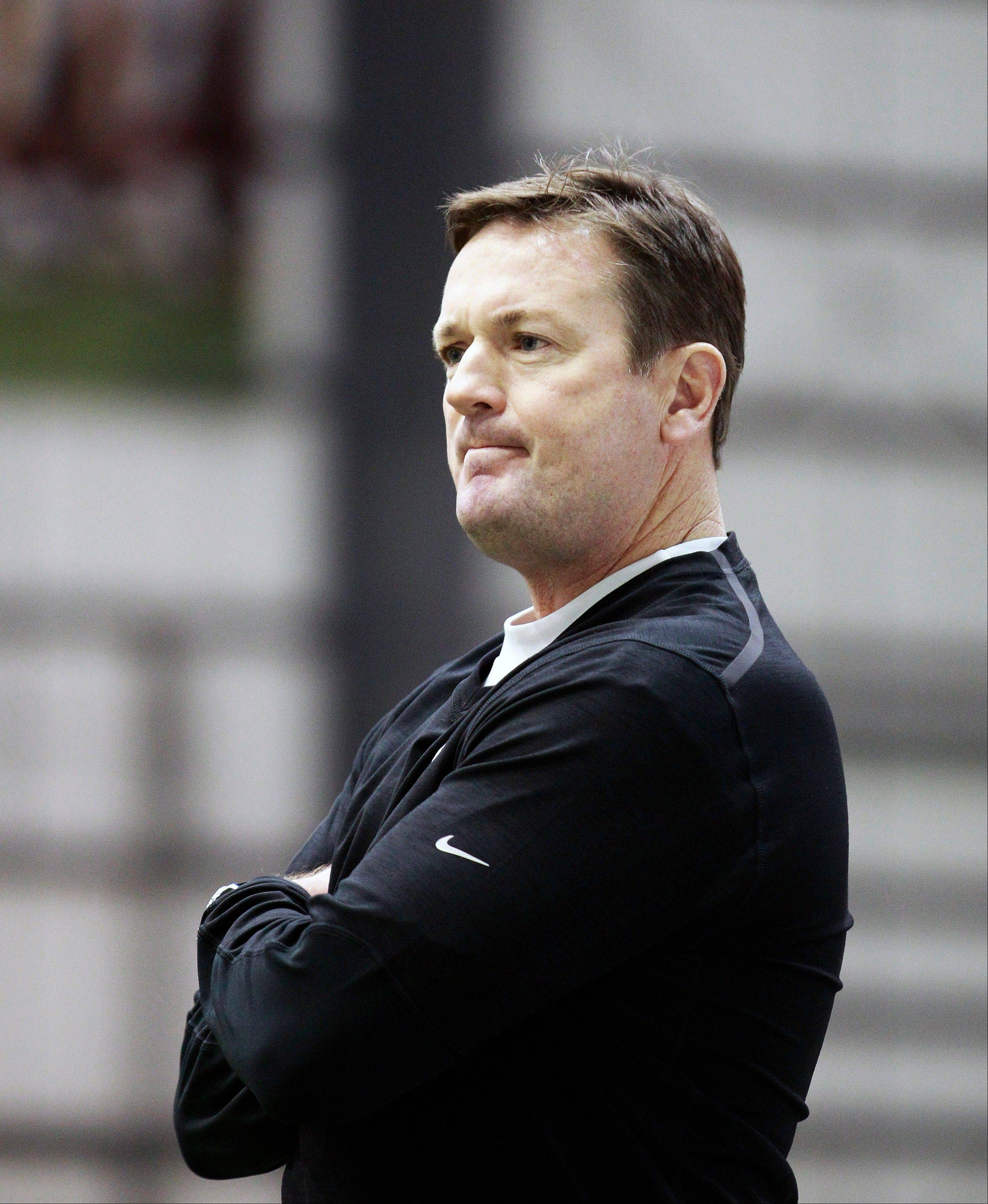 Oklahoma head coach Bob Stoops watches a workout Saturday at the New Orleans Saints practice facility in Metairie, La. Oklahoma will play Alabama in the Sugar Bowl on Thursday.