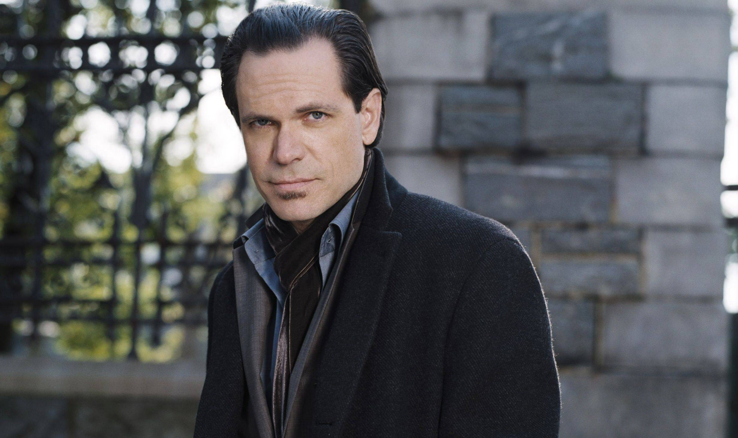 Kurt Elling will sing jazz at the Northlight Theatre in Skokie.
