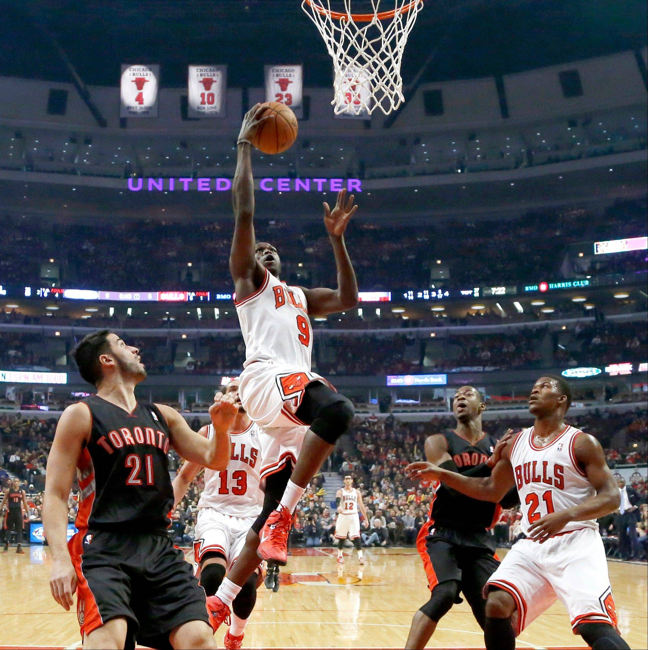 Luol Deng was back in the lineup Monday night, but it did little to change the Bulls� fortunes as they lost to the Raptors at the United Center.