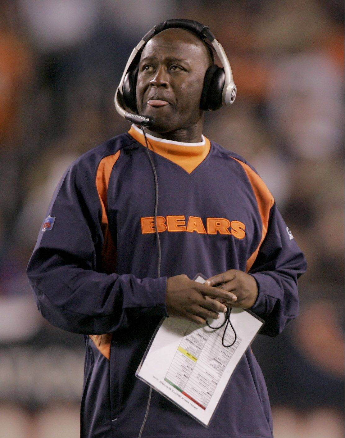Former Bears coach Lovie Smith will receive a four-year deal to coach the Tampa Bay Buccaneers, according to NFL sources.
