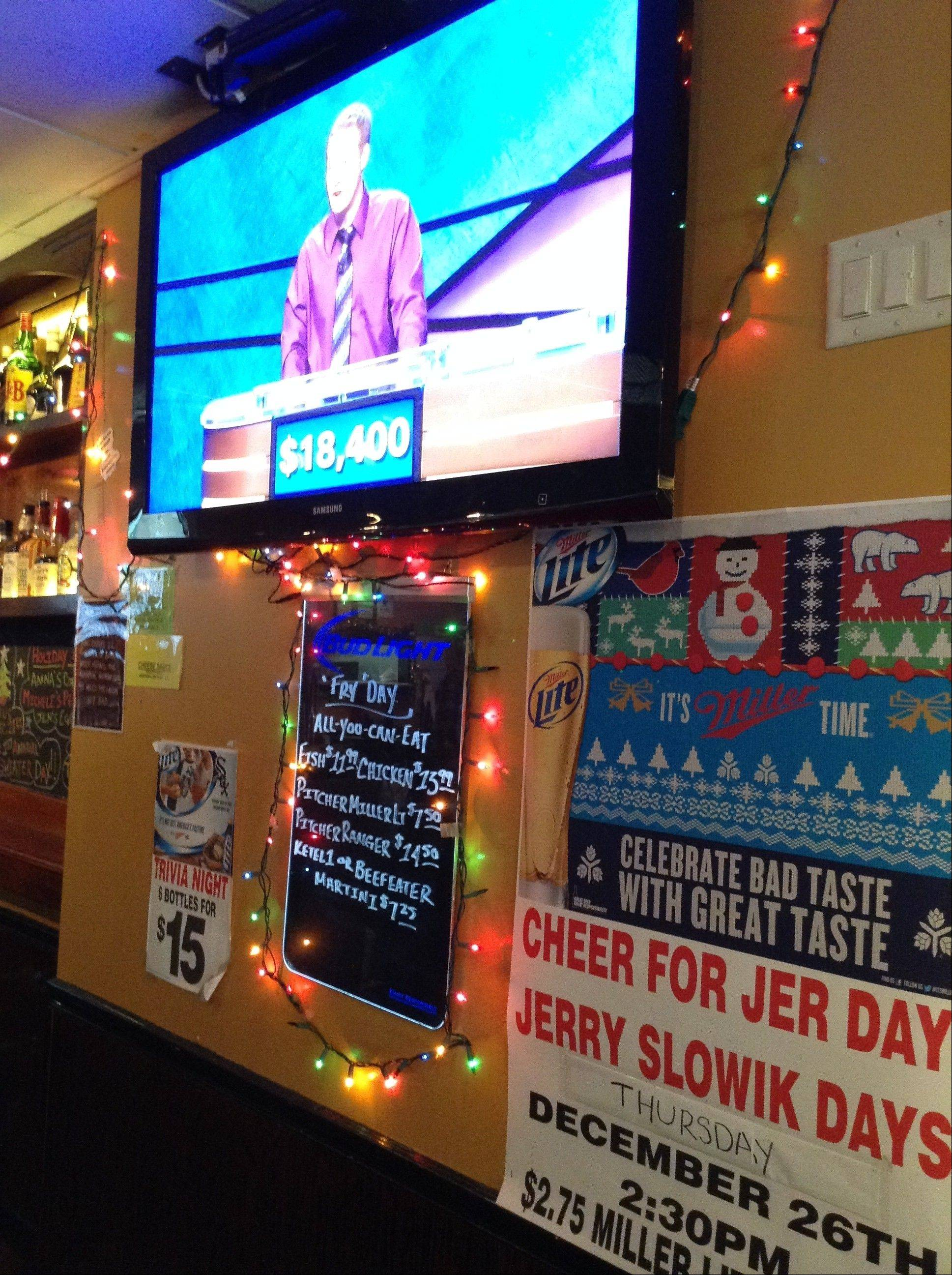 "Eddie's Restaurant and Lounge in Arlington Heights hosted ""Jeopardy"" watching parties in honor of hometown son Jerry Slowik."