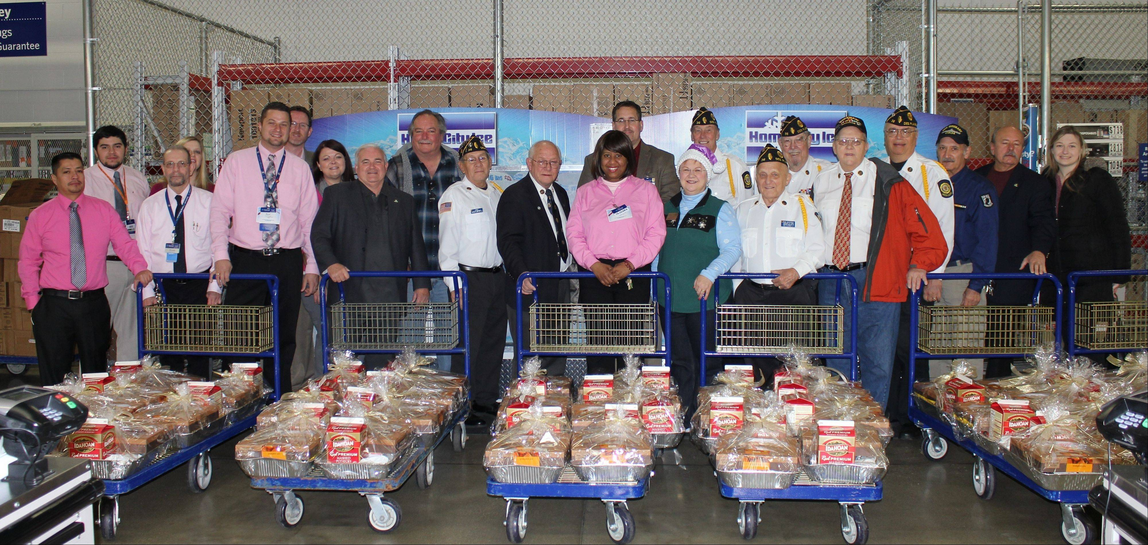 Des Plaines groups provide Thanksgiving baskets
