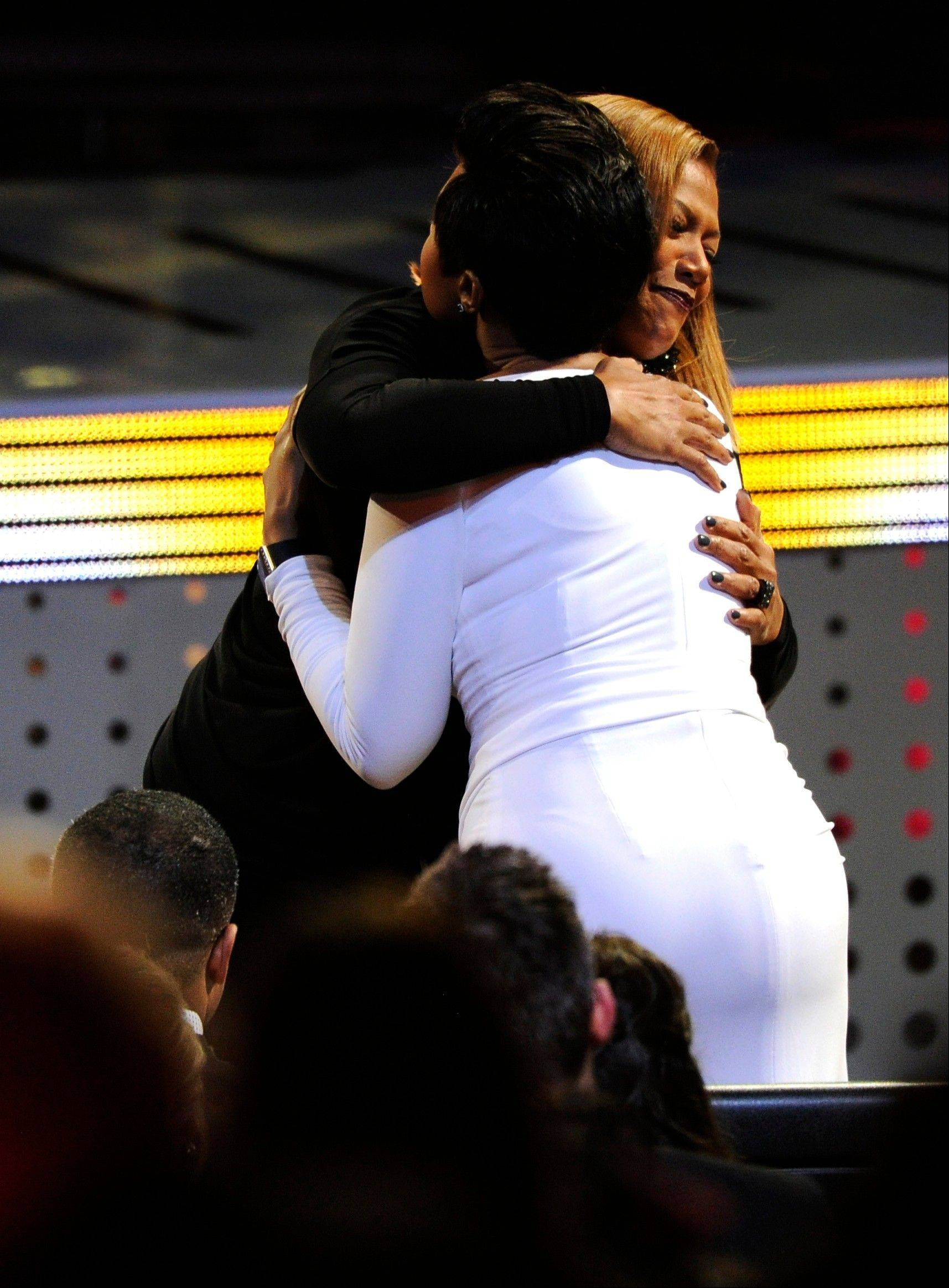 Associated PressJennifer Hudson, right, congratulates Queen Latifah, winner of the award for favorite new talk show host, at the 40th annual People's Choice Awards at the Nokia Theatre L.A. Live on Wednesday, Jan. 8, 2014, in Los Angeles.