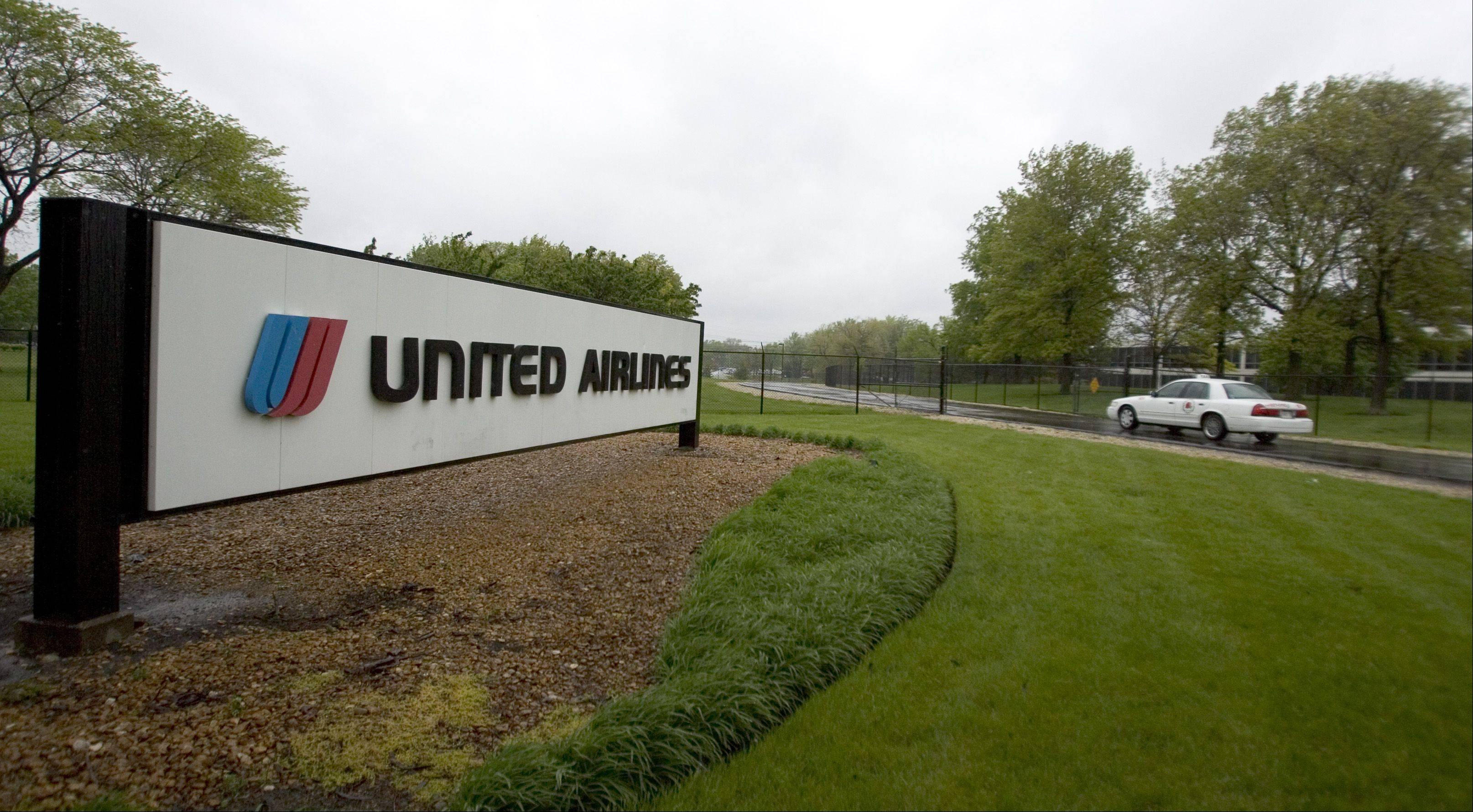 Chicago-based United Airlines said per-seat revenue rose as much as 12.5 percent in December as it benefited from flight cancellations and adjustments for tickets involving other airlines.