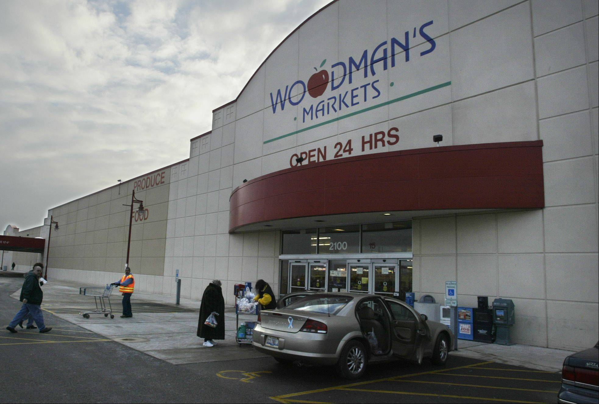 Woodman�s in Carpentersville will start selling alcohol at 8 a.m. as of Jan. 19. Earlier this week the village board amended a 10 a.m. restriction on liquor sales at grocery stores and other outlets, sales can begin at 6 a.m.