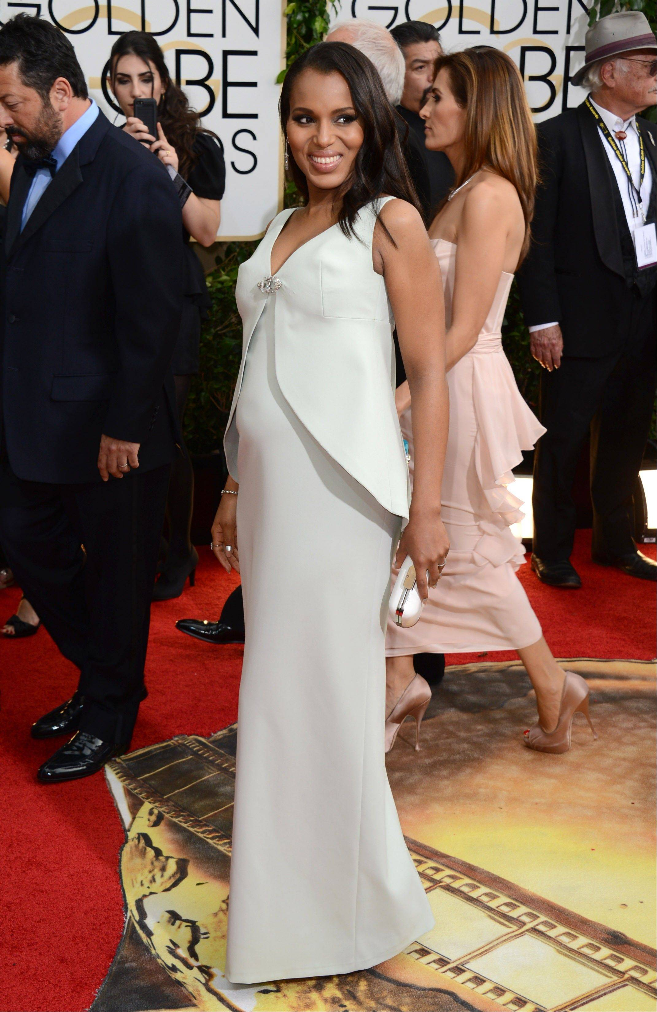 """Scandal"" star Kerry Washington shows off her maternity style at the Golden Globes."