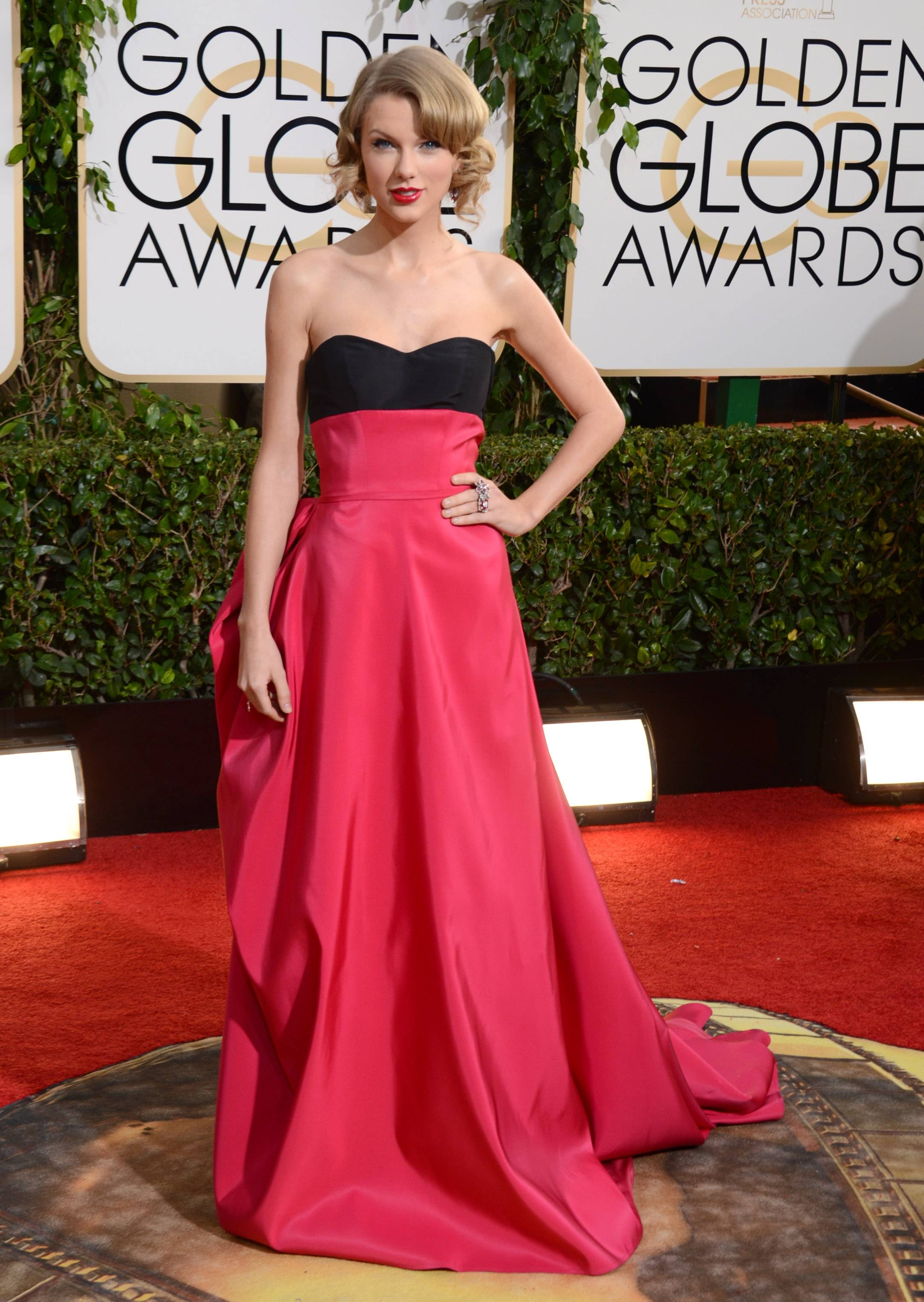Taylor Swift goes for Hollywood glam on Golden Globes night.