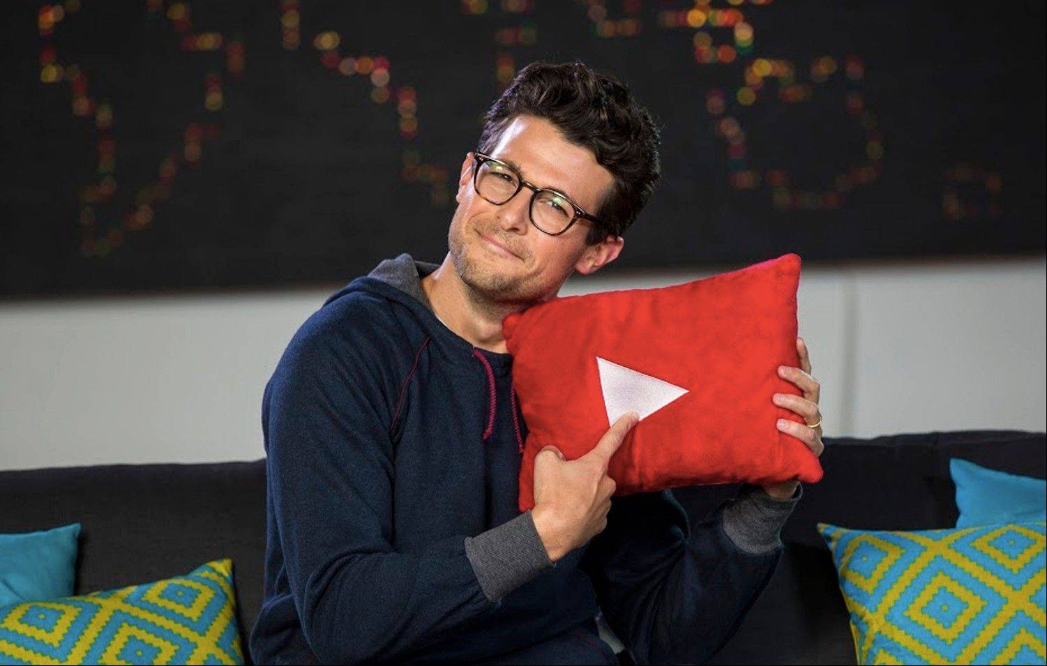Host Jacob Soboroff is seen on the set of �YouTube Nation,� a five-minute program that will post weekdays at 8 p.m. Central Time starting Tuesday.
