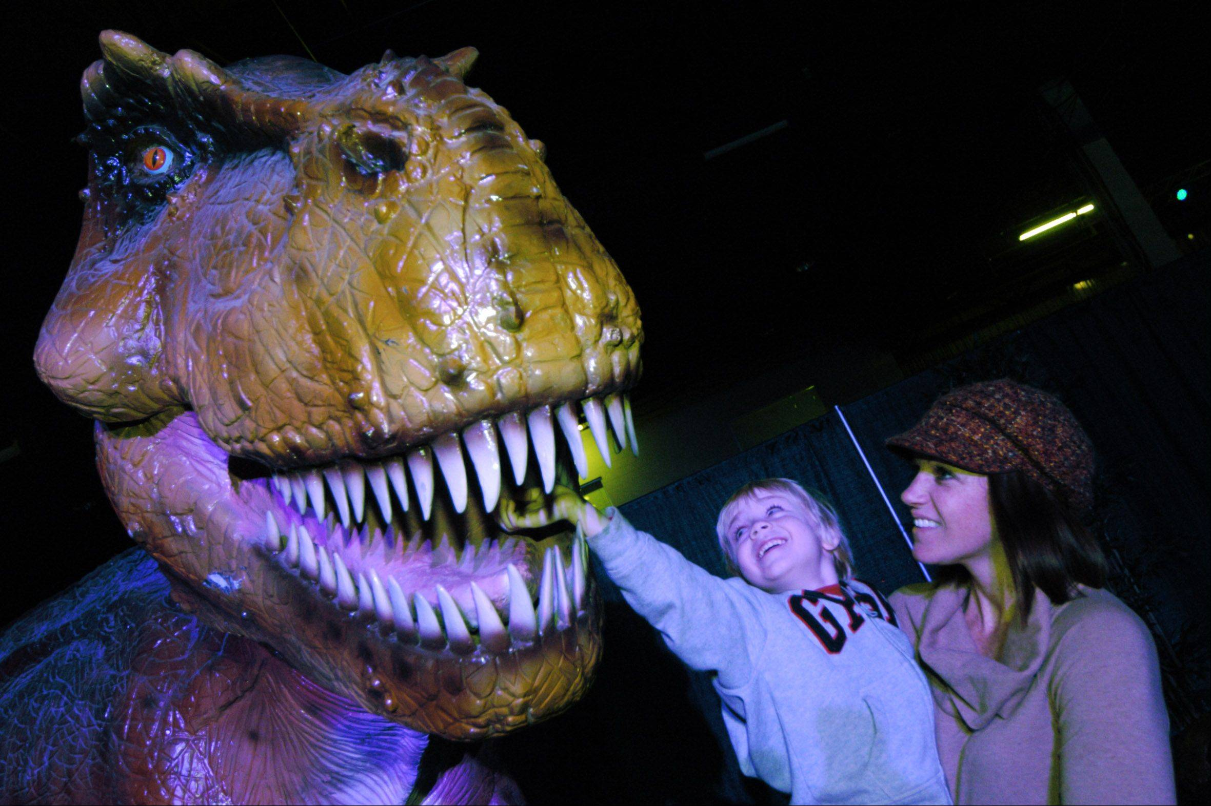 """Discover the Dinosaurs"" returns to the Donald E. Stephens Convention Center in Rosemont from Friday through Monday, Jan. 17-20."