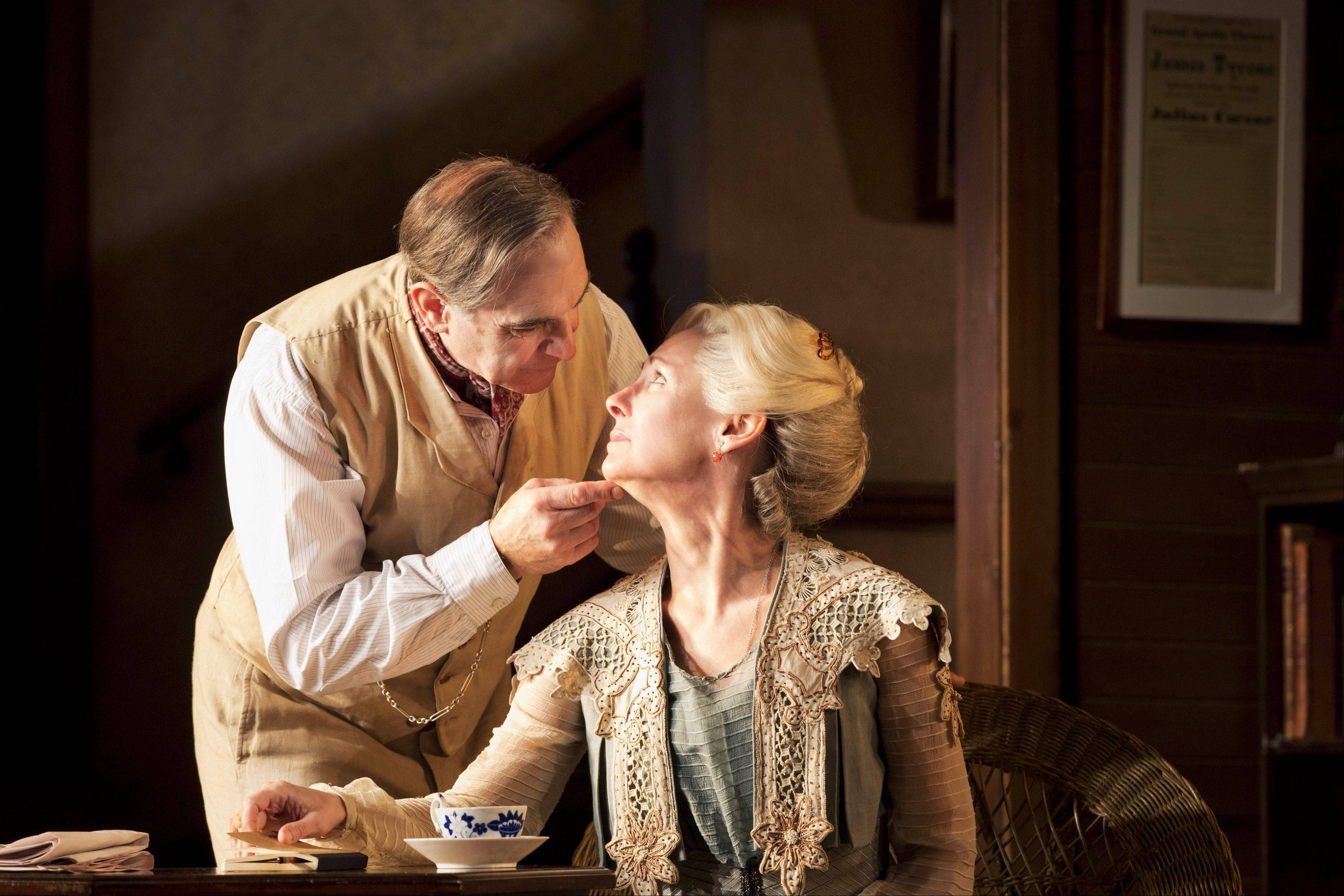 "David Suchet and Steppenwolf Theatre ensemble member Laurie Metcalf starred in a 2012 London revival of ""Long Day's Journey Into Night."" This production of Eugene O'Neill's Pulitzer Prize-winning drama is available to download from $START_URL$digitaltheatre.com;http://digitaltheatre.com$STOP_URL$."
