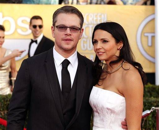 Matt Damon and his wife, Luciana, make their way into the SAG Awards.