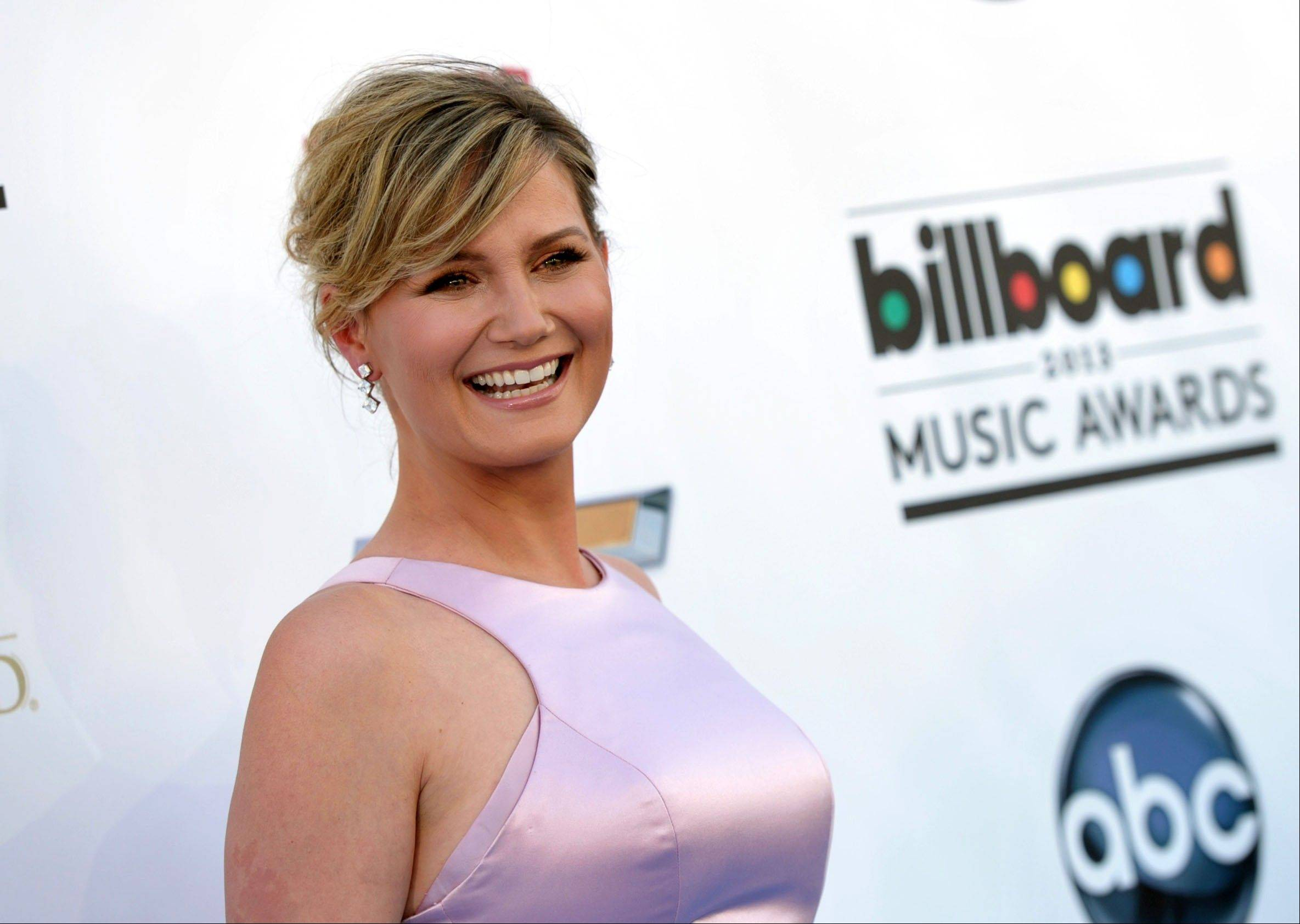 Jennifer Nettles made her career singing with others as a part of the Grammy-winning band Sugarland. But now she�s striking out on her own with her first solo album, �That Girl.�