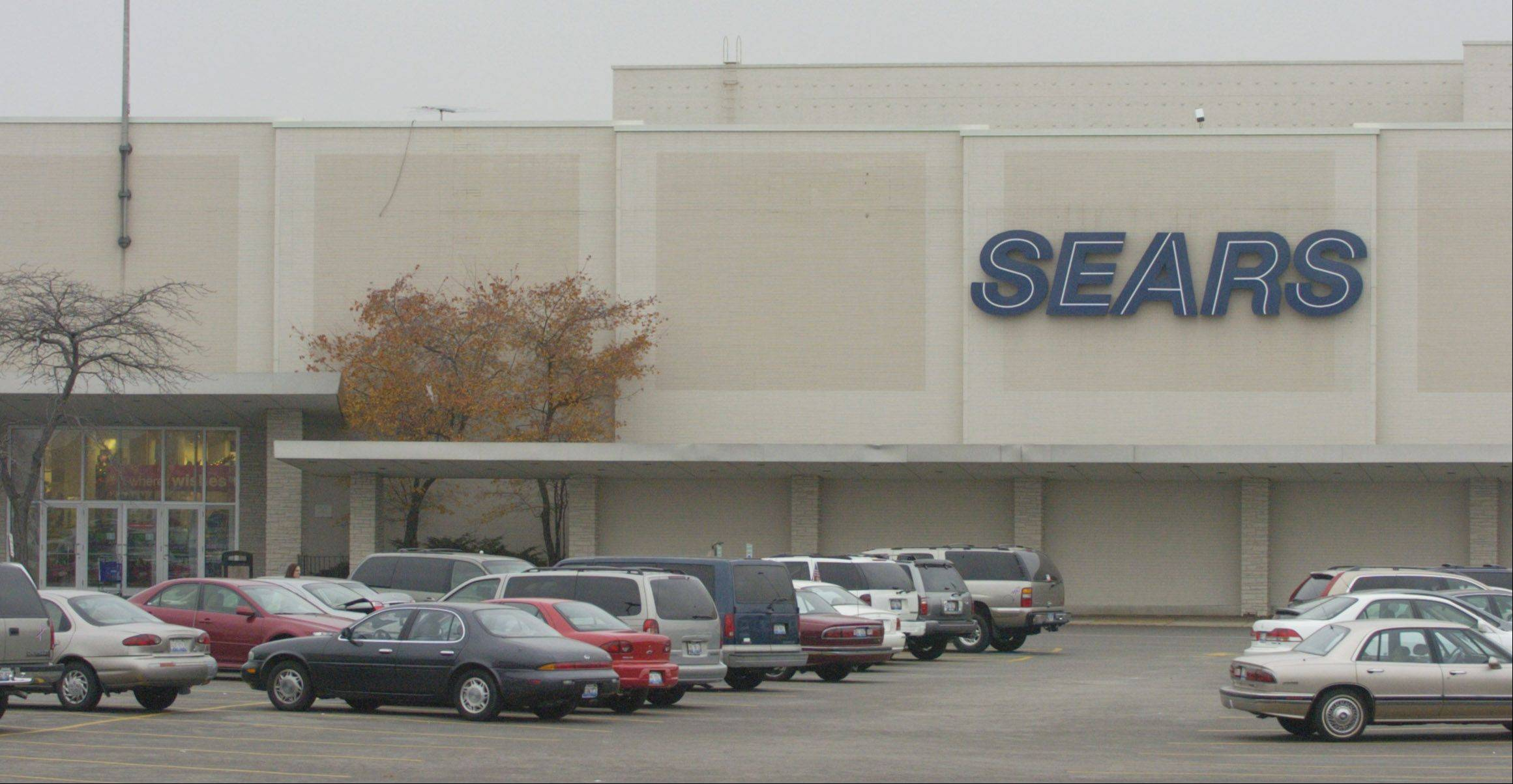 Hoffman Estates-based Sears Holdings announced today that it anticipates hiring 6,500 veterans and military spouses in 2014.